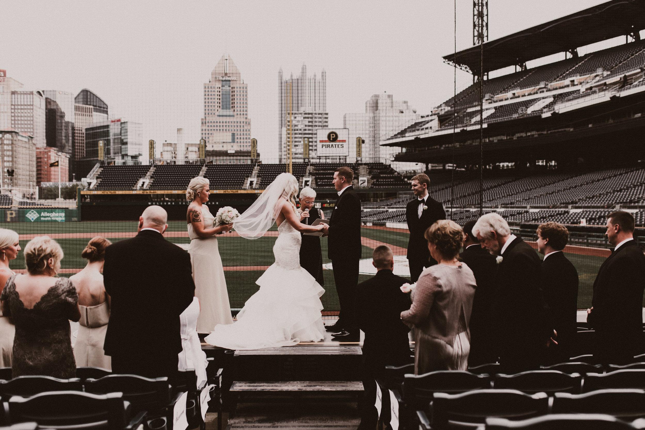 BUTLER, PA WEDDING PHOTOGRAPHER - 5W7A3566.jpg