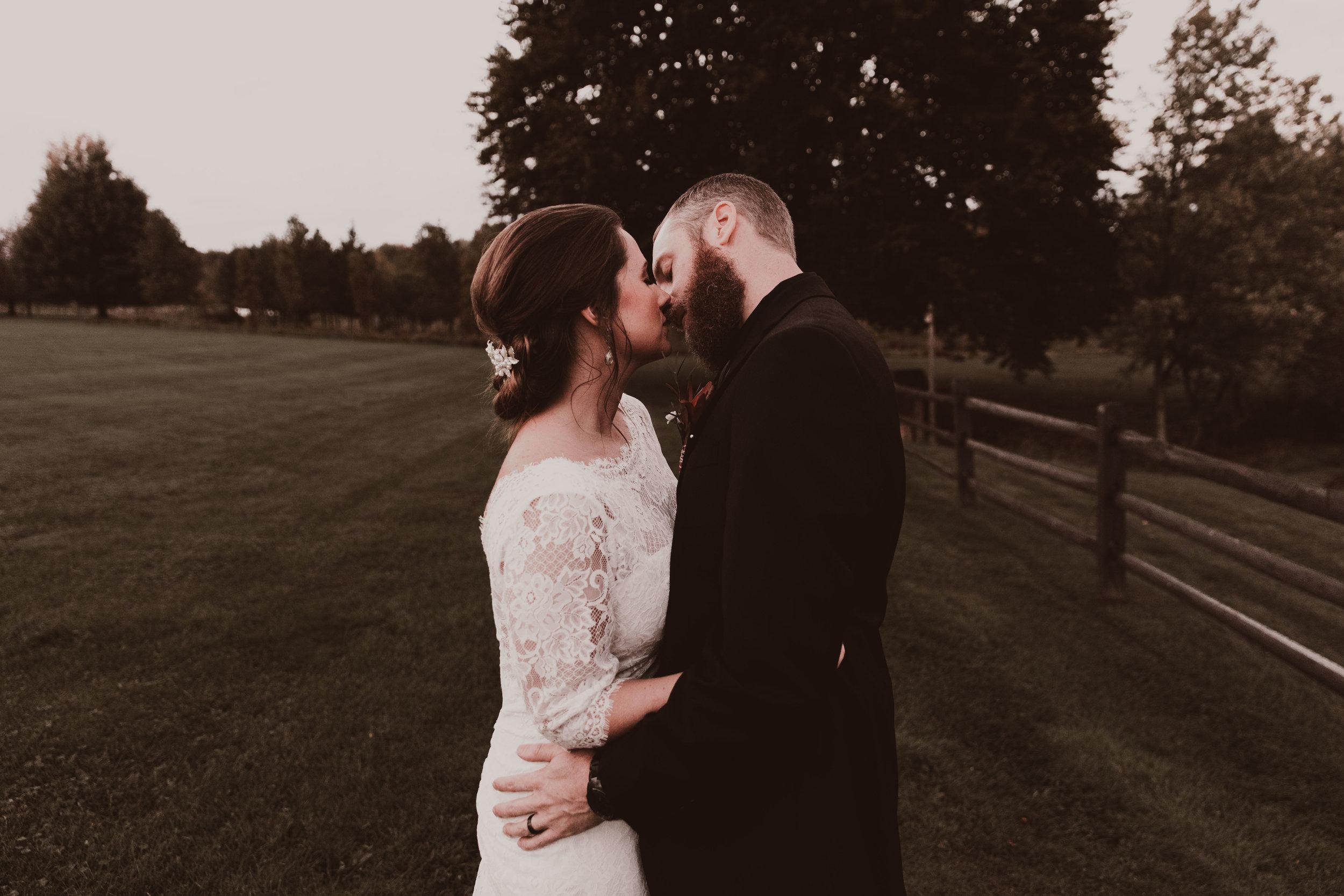 BUTLER, PA WEDDING PHOTOGRAPHER - 5W7A7406.jpg