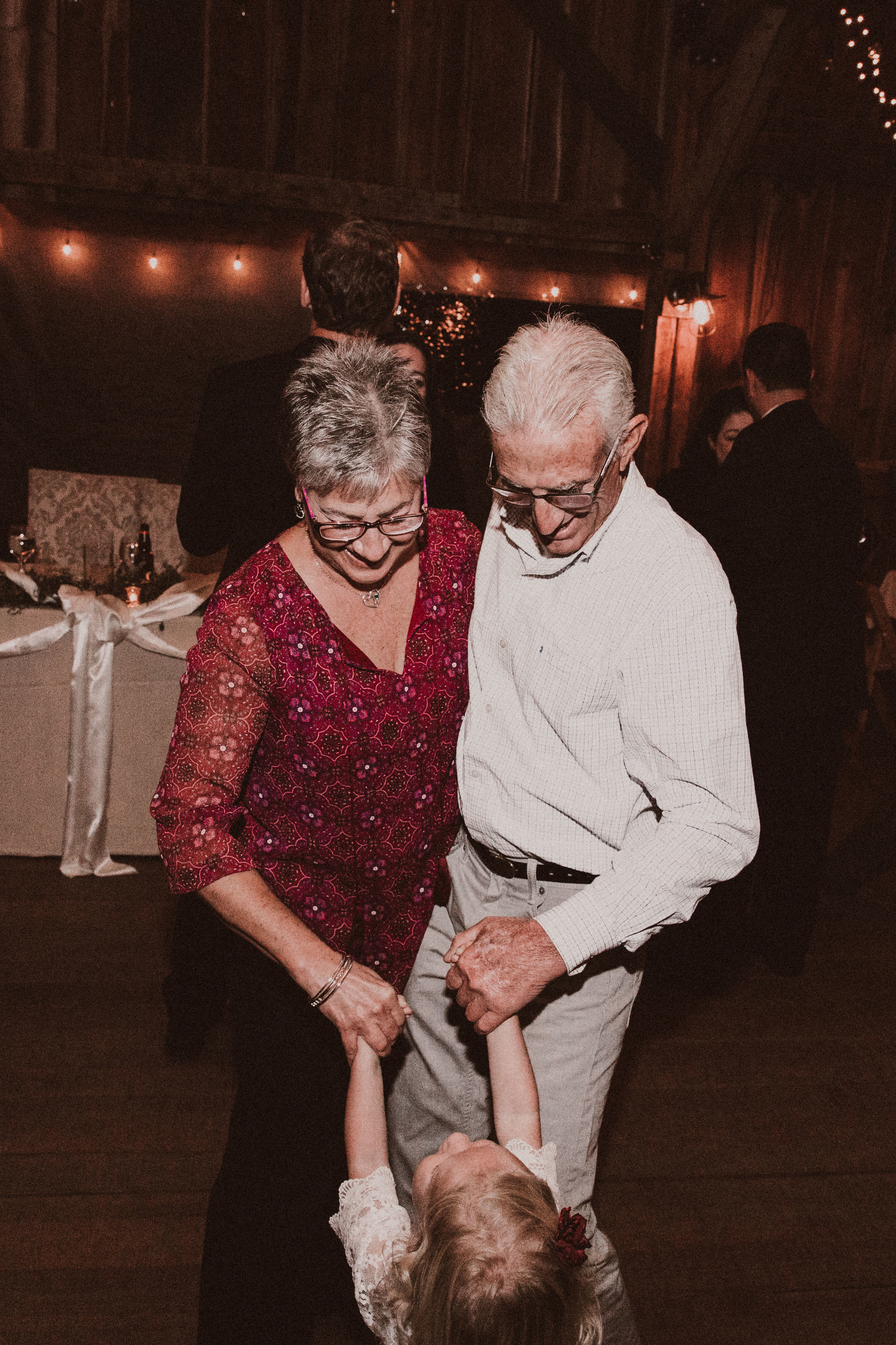BUTLER, PA WEDDING PHOTOGRAPHER - 5W7A7575.jpg