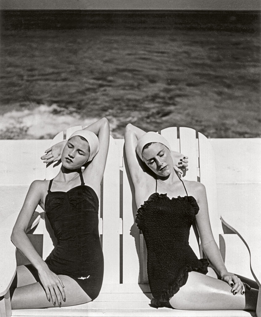 Twins-at-the-Beach-Nassau-1949.-Photograph-by-Louise-Dahl-Wolfe.-Collection-Staley-Wise.jpg