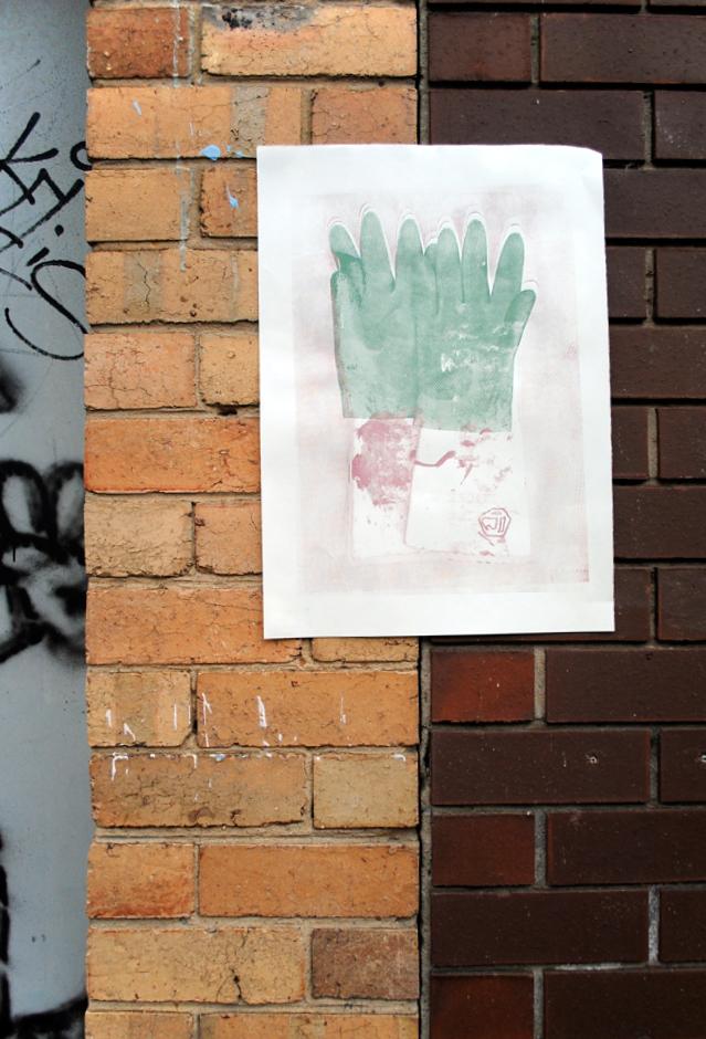gloves.internet.3.jpg