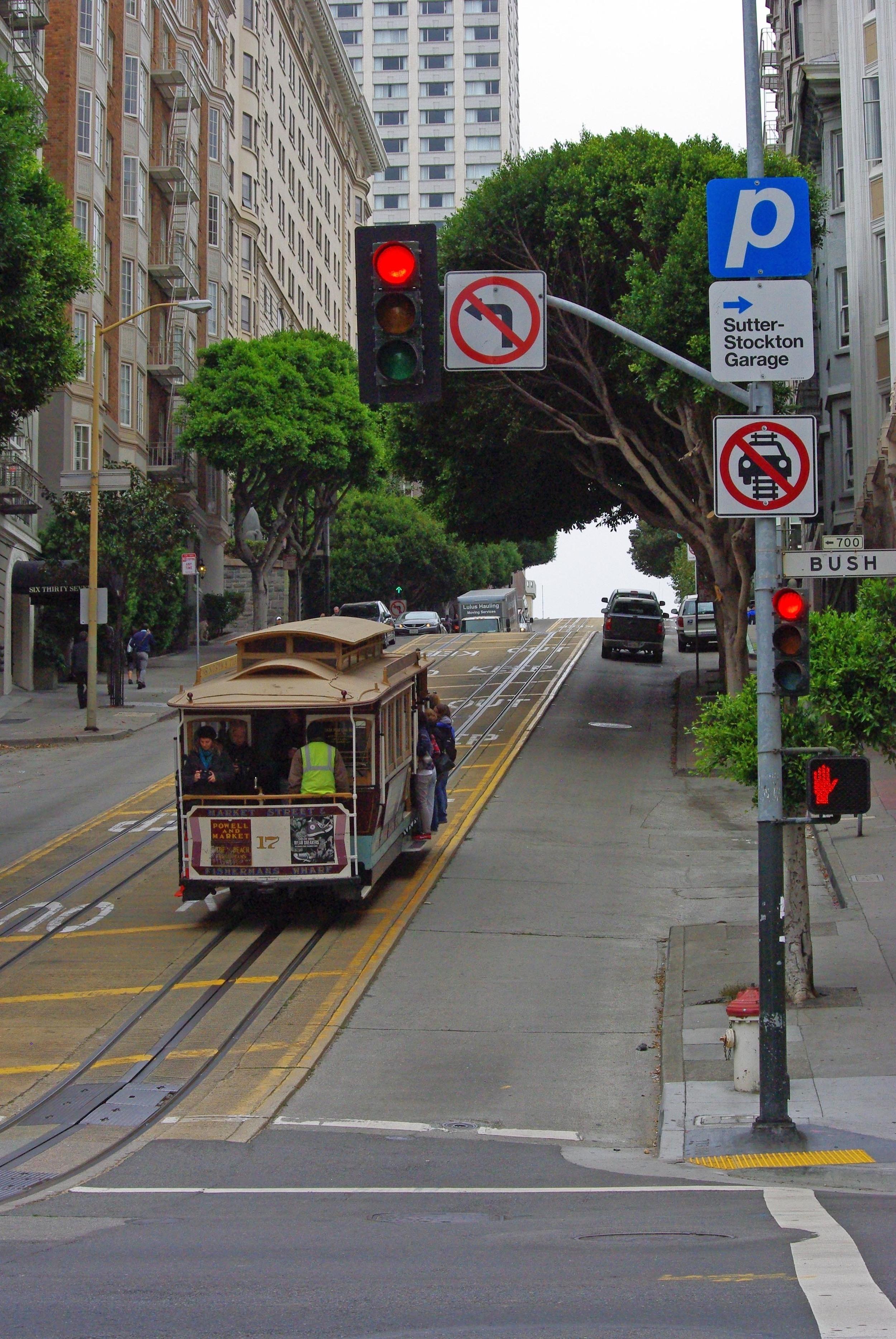 2.Ride a vintage cable car