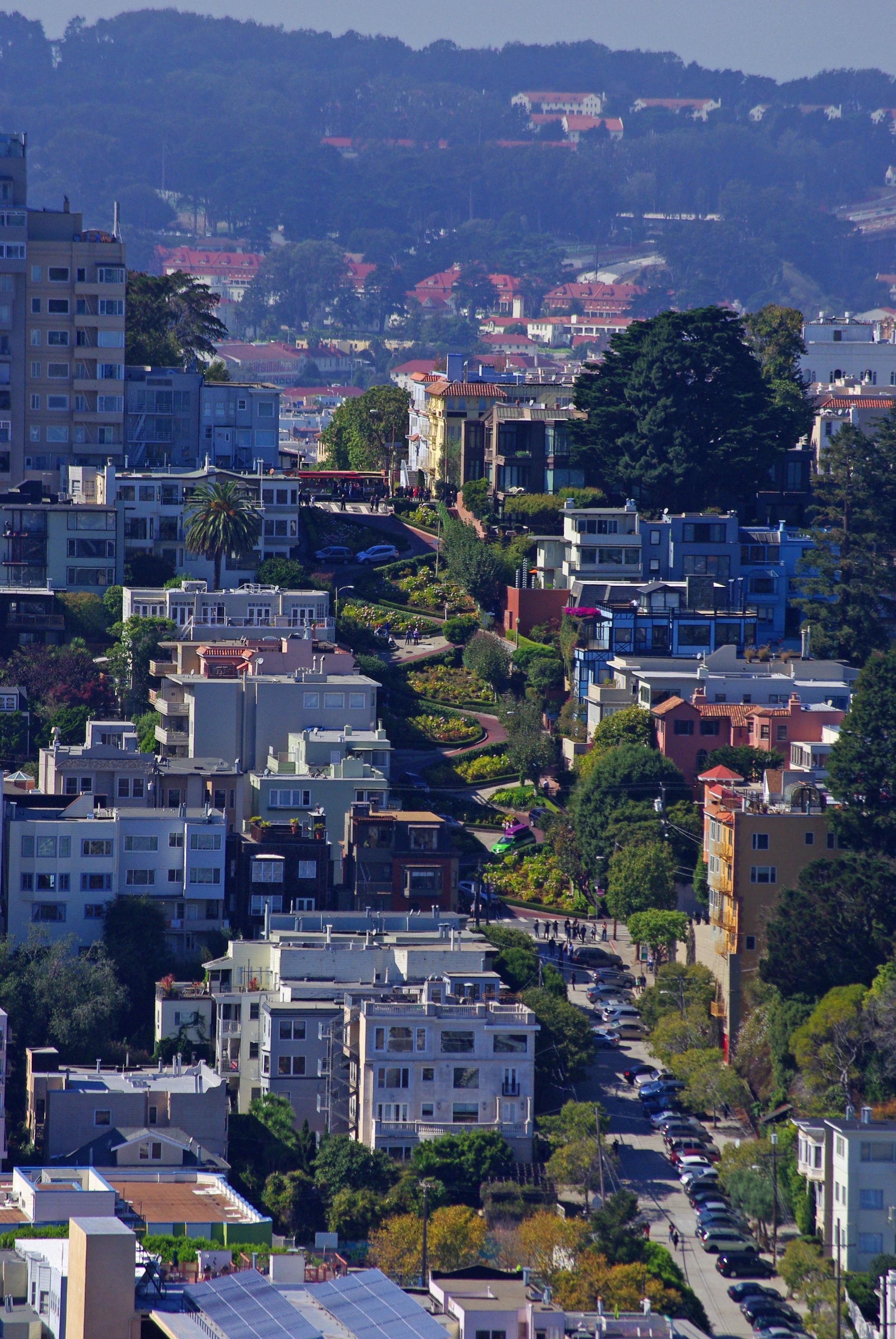 11.Zigzag down Lombard street