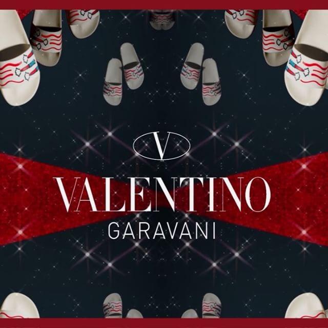 @cincstudios X @maisonvalentino for the Valentino Holiday 2017 Gift Guide #cincstudios #valentino