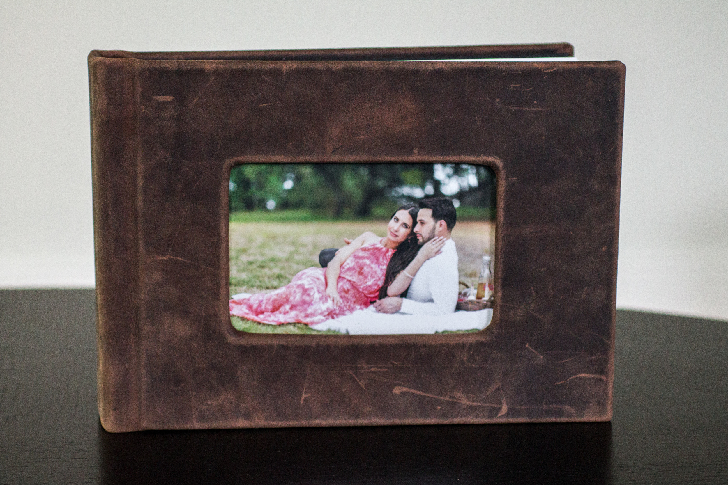 8x11 Rustic Brown Leather Album - Cameo Window
