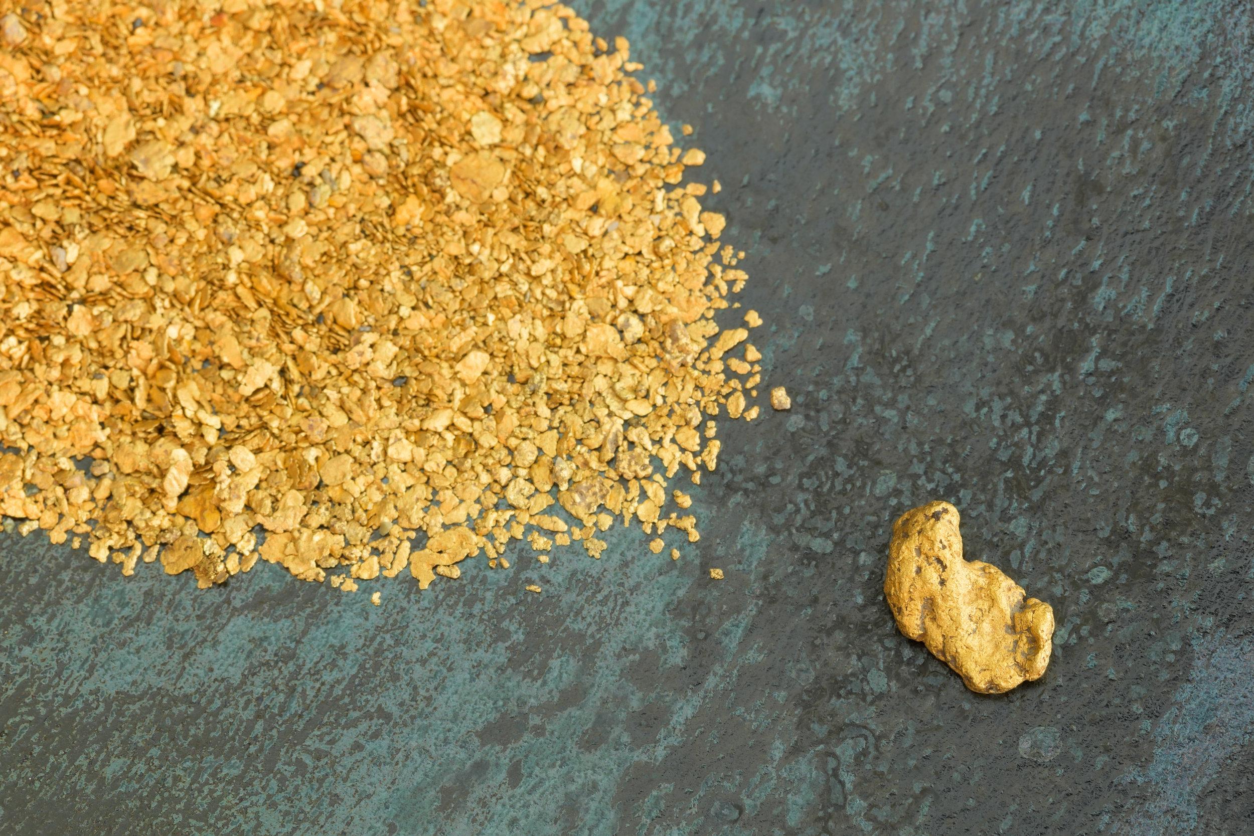 photodune-3411454-natural-placer-gold-l.jpg