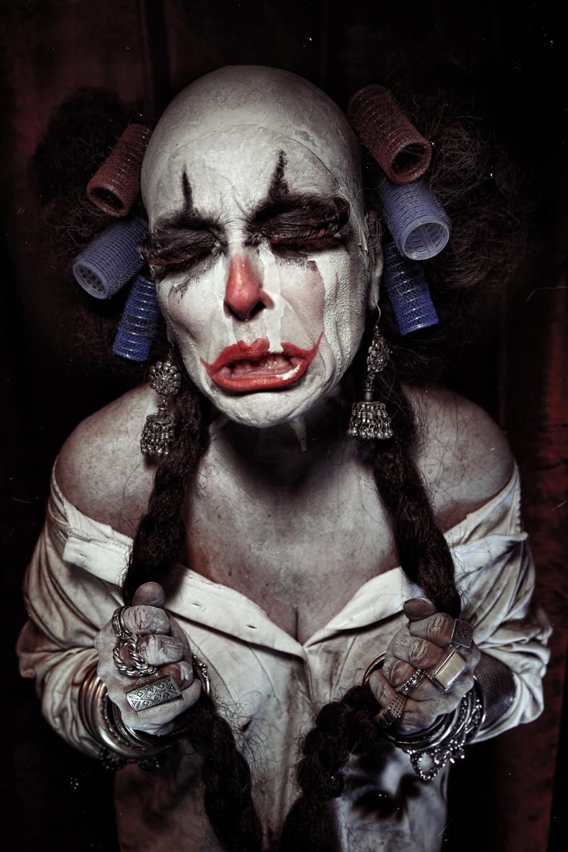 Portfolio_Clownville_mother_crying.jpg