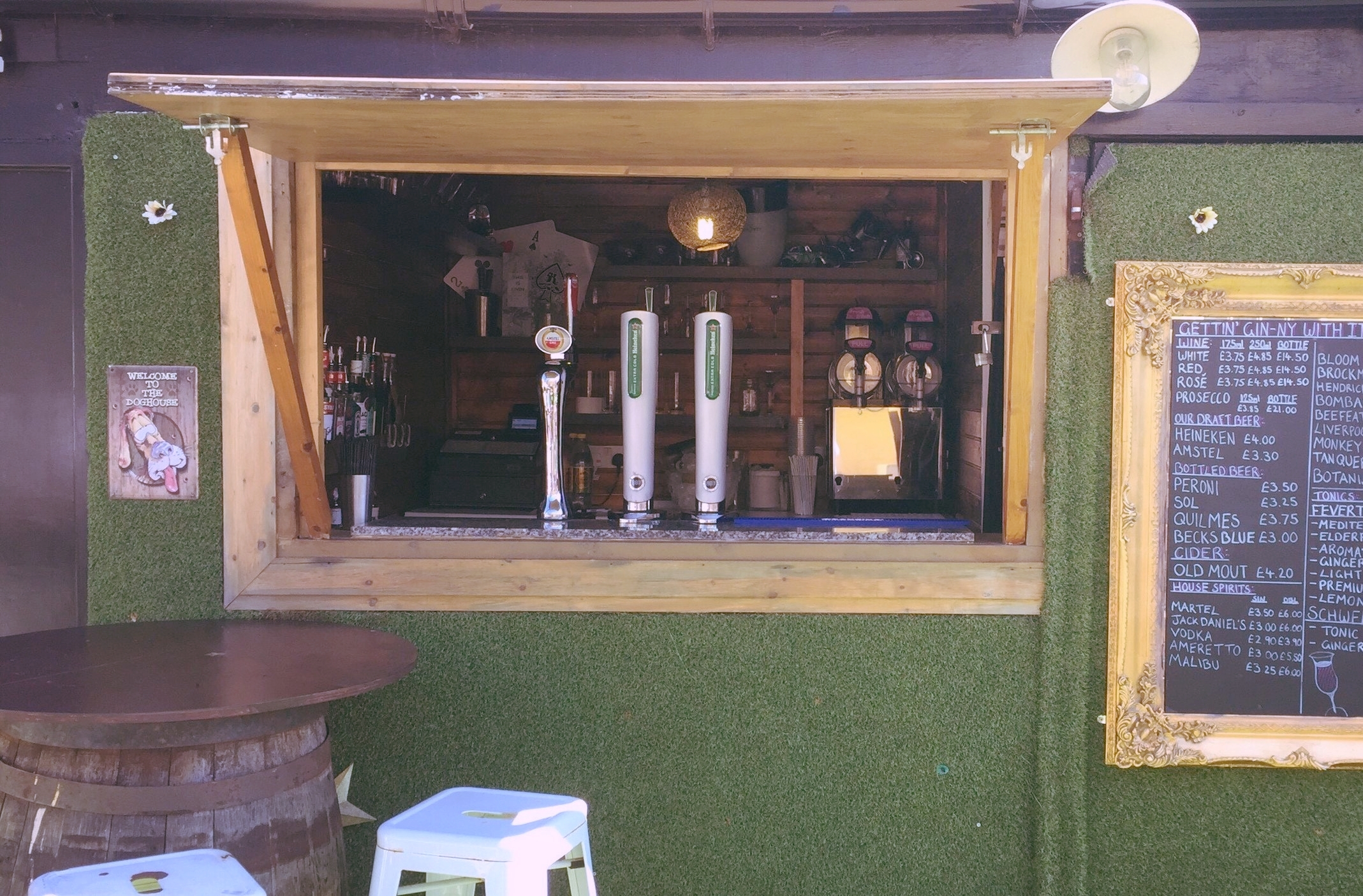 outdoor bar.jpg