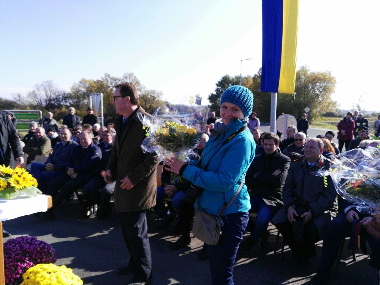 Heute gab's Blumen und viel Freude bei allen Beteiligten.