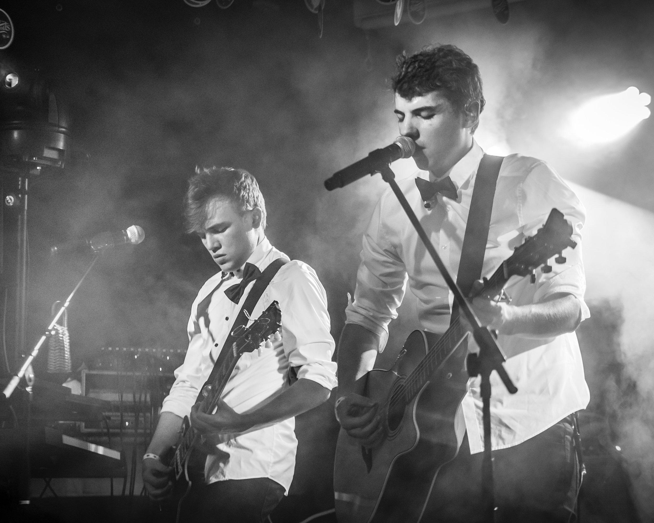 Wir suchen... - Wir suchen Bands oder Solokünstler aus der Region Zürich im Alter zwischen 16 und 22 Jahren.