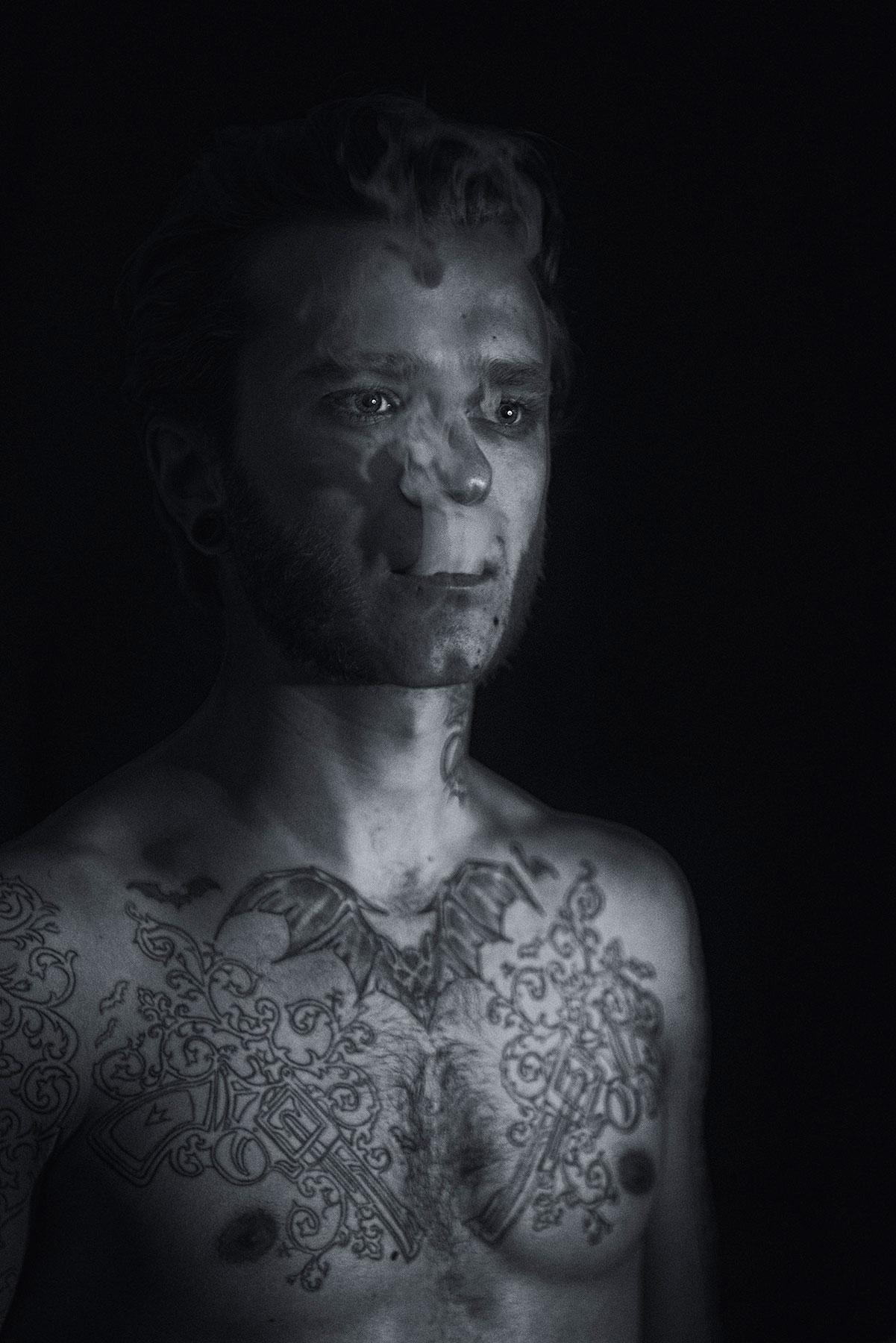 arther-optera-tattoo-artist-smoke.jpg