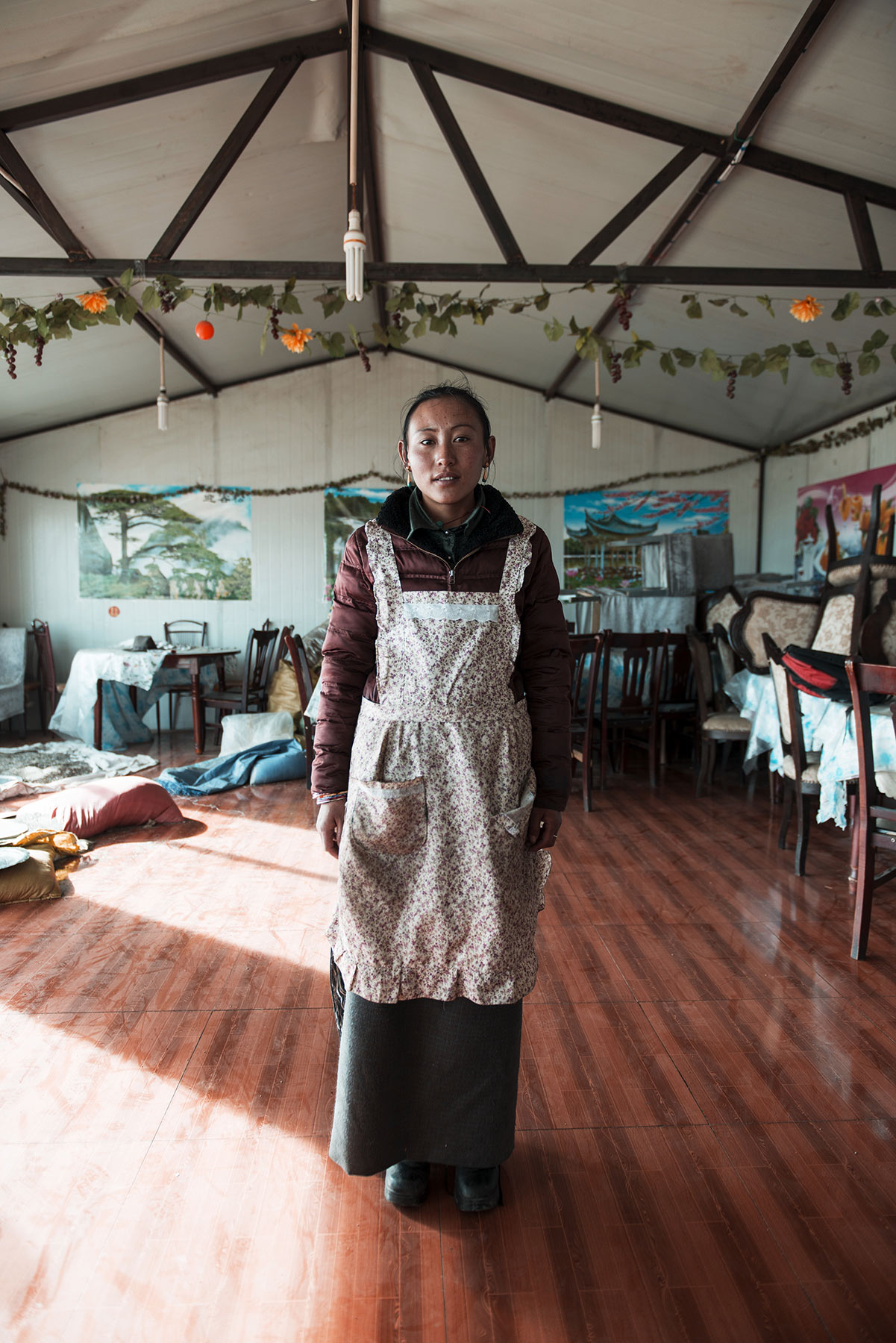 lake-namtso-waitress-tibet.jpg