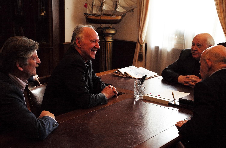 Meeting Gorbachev - Dogwoof