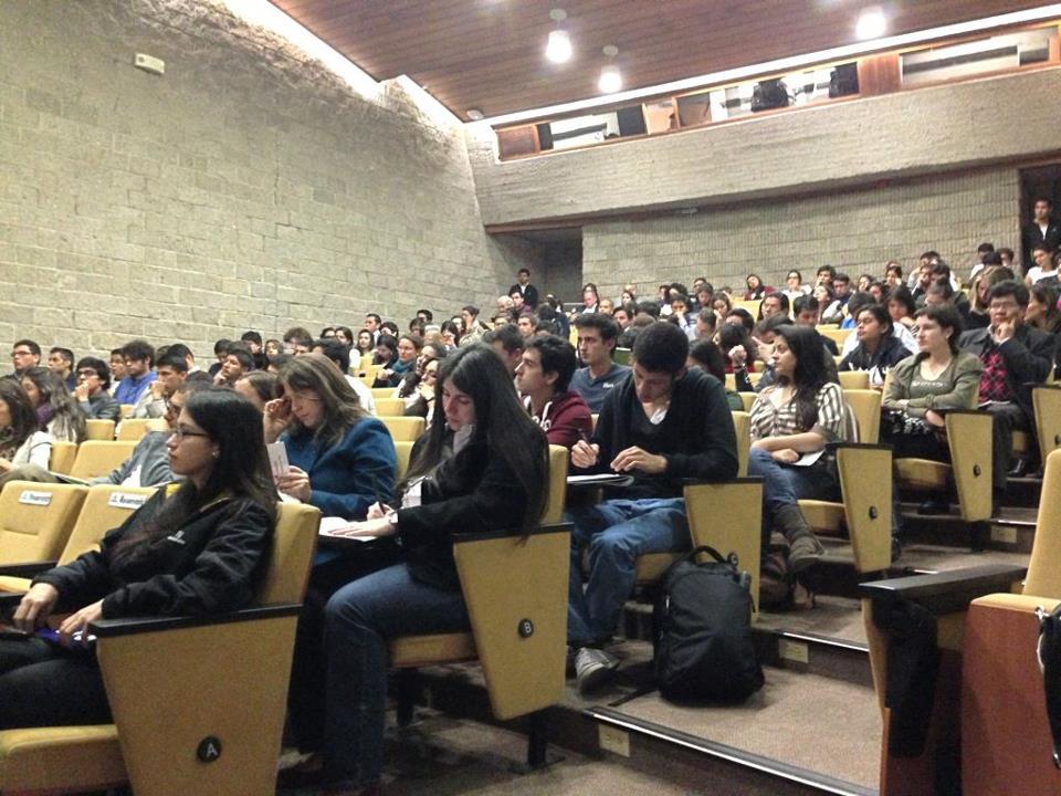 © Facultad de Economía Uniandes.