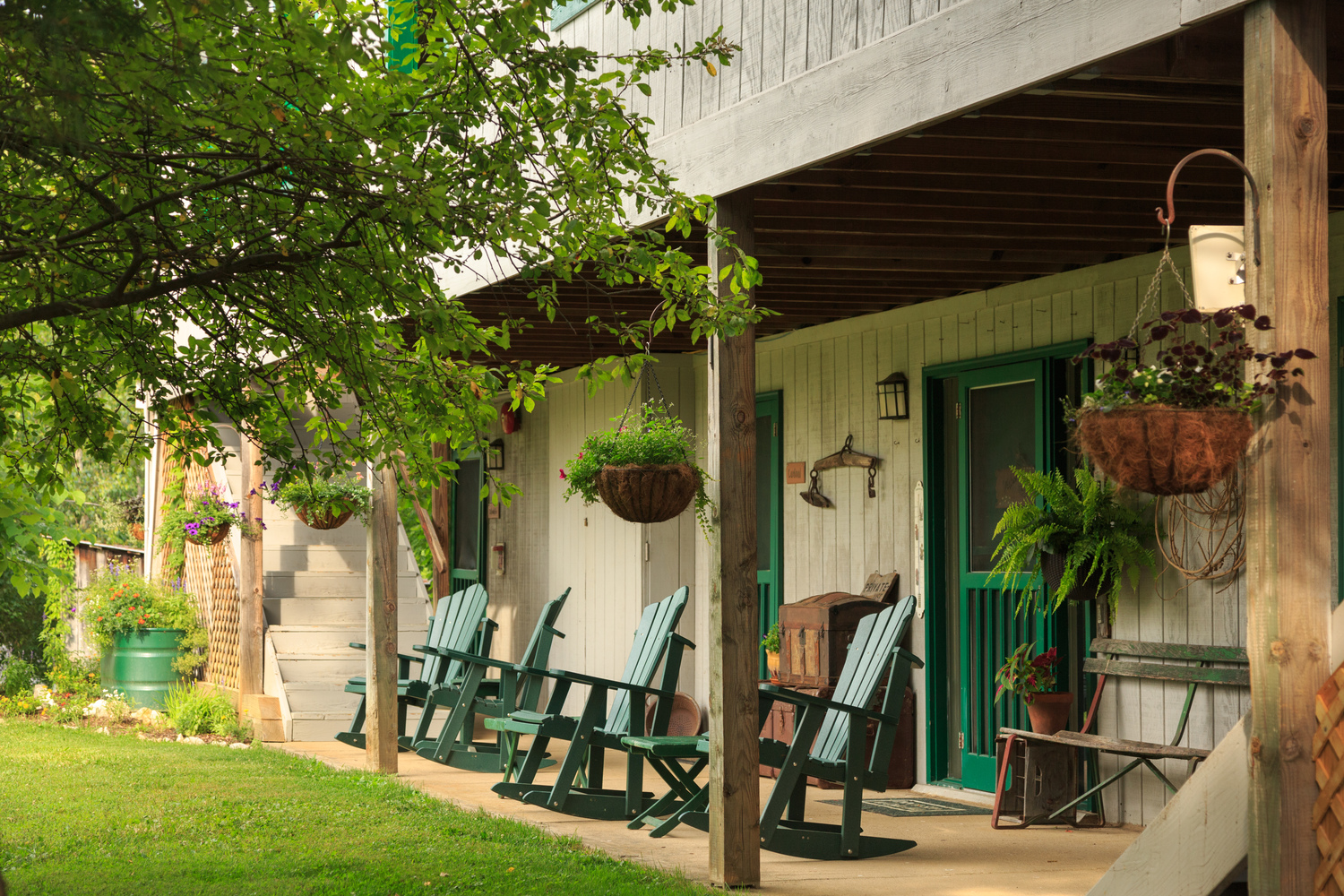 cedar-falls-rooms-main-inn-porch-3.jpg
