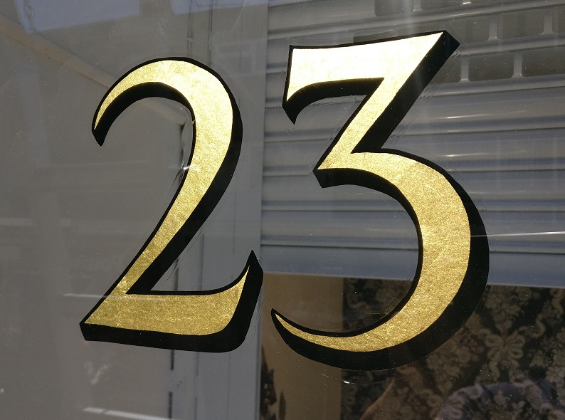 23.75ct gold leaf fanlight number.