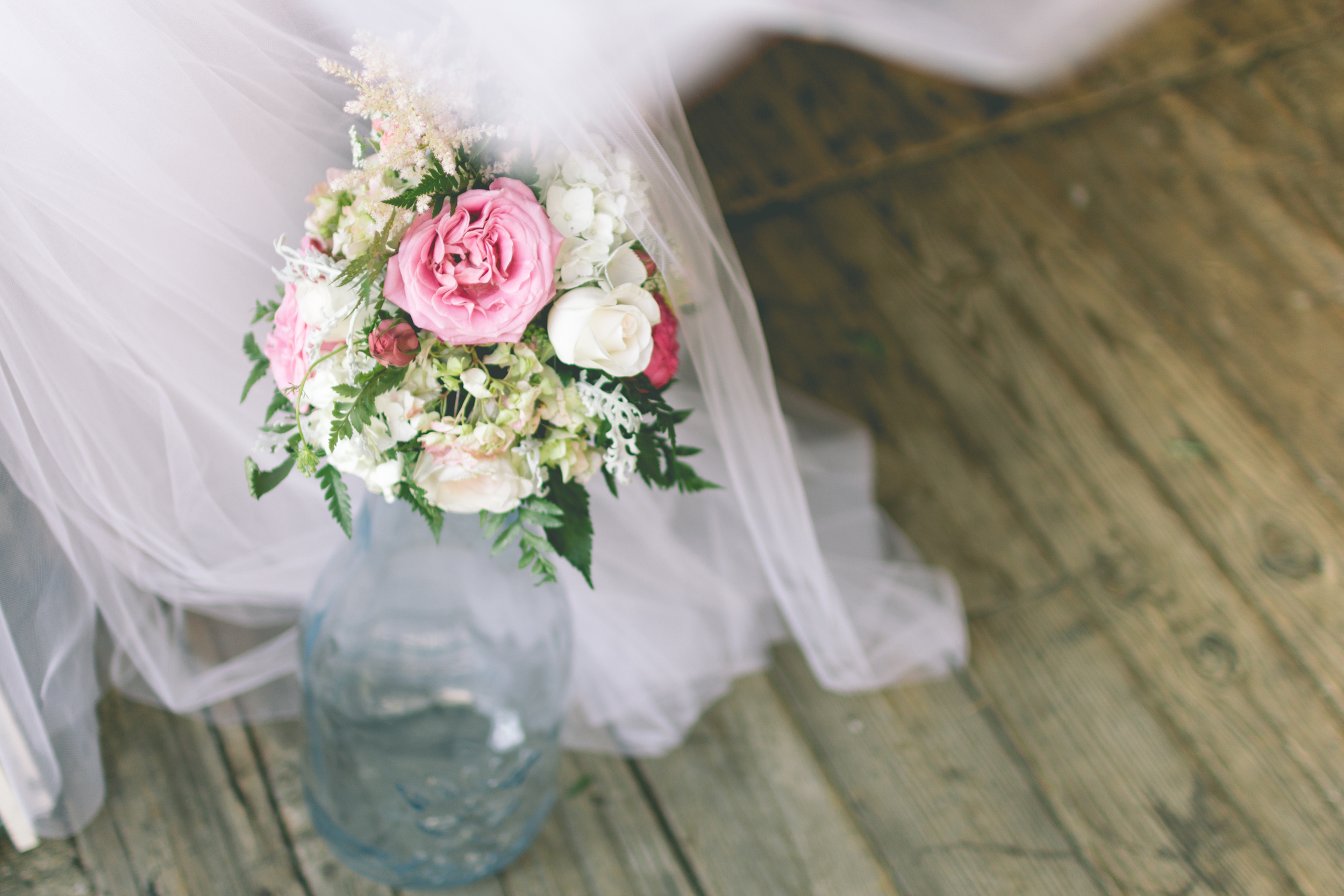 Rustic-Barn-Floral-Bouquet