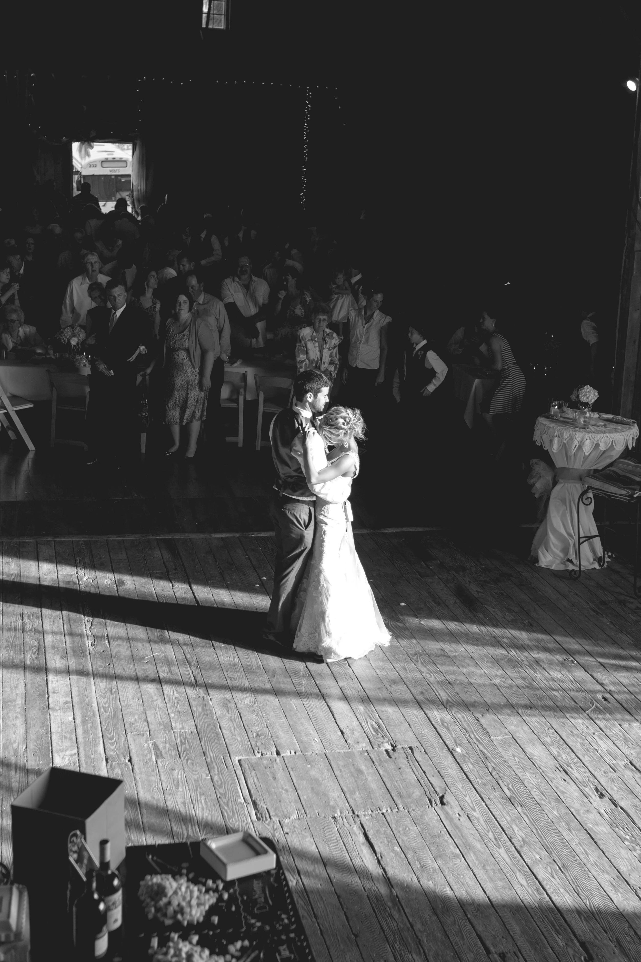 Ashley_Joe_Rustic_Wedding-37.jpg