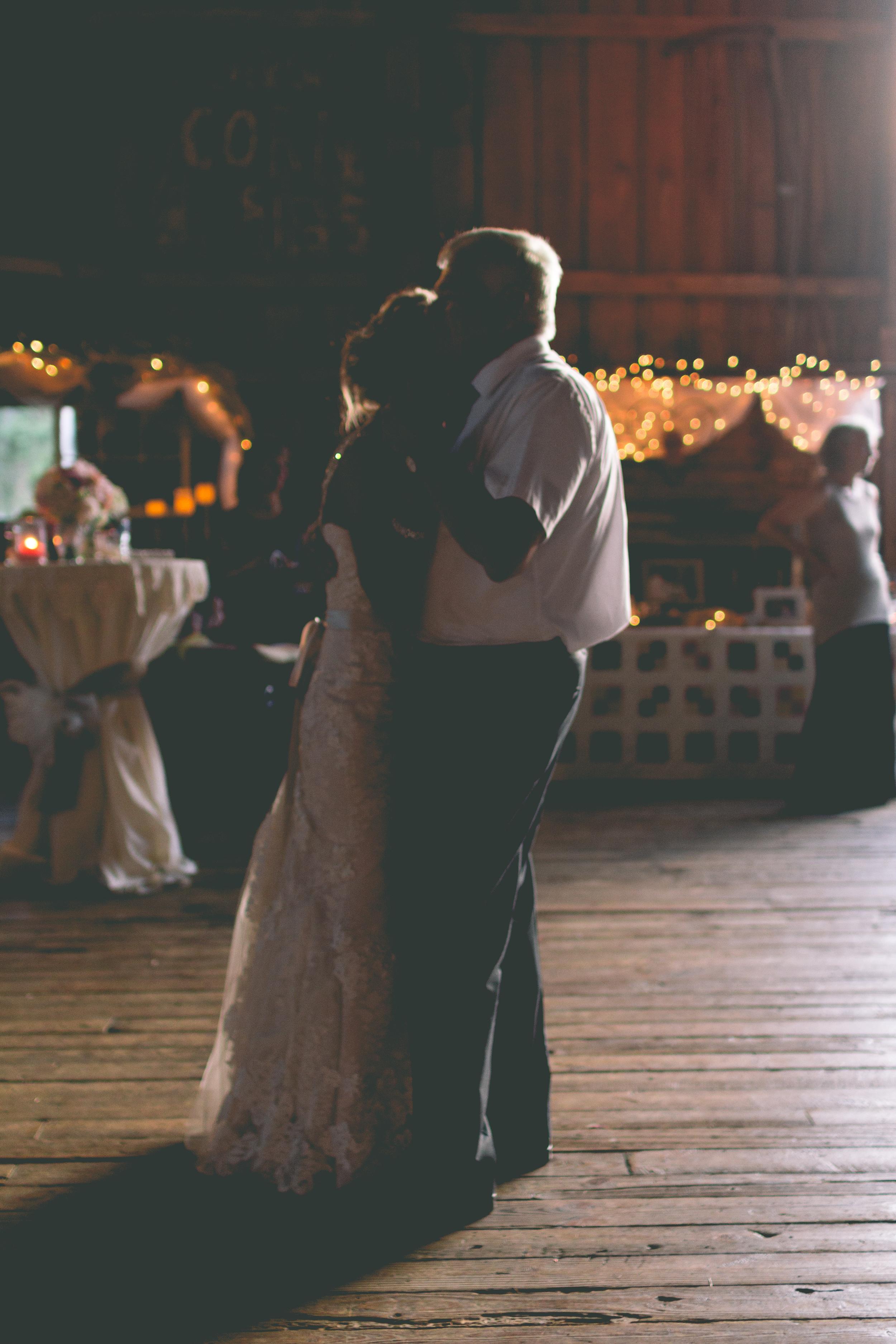 Ashley_Joe_Rustic_Wedding-44.jpg