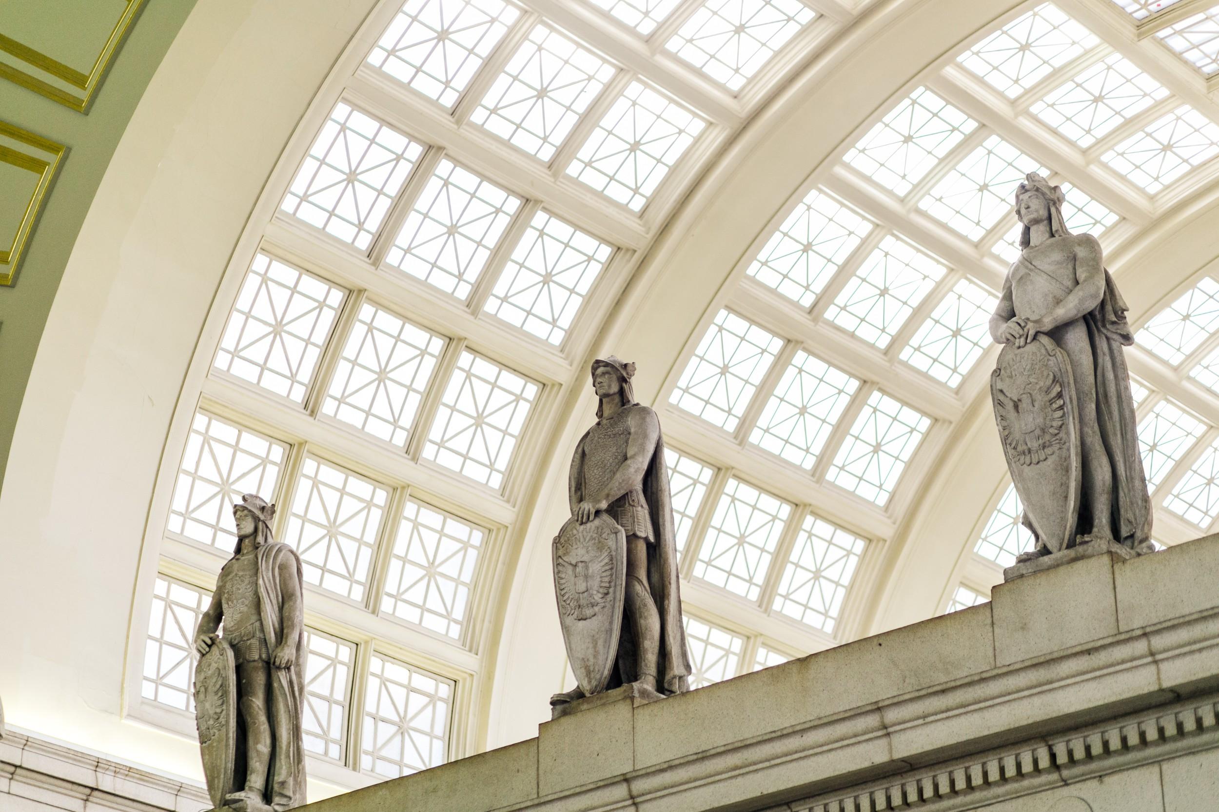 Union-Station-Statues