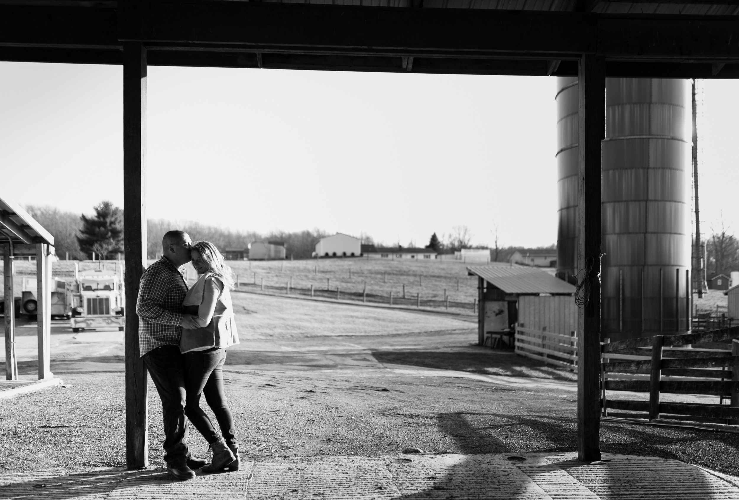 Romantic-Maryland-Farm-Engagement