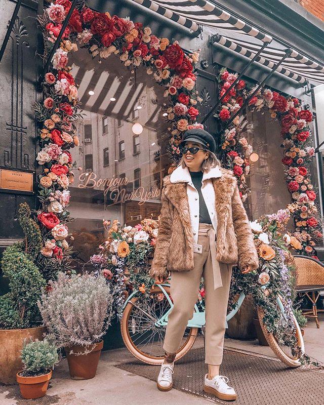 The weather is finally amazing 🙌🏻⚡️ - - - -#uoonyou #spring #fashionblogger #faboutfits  #artifactuprising #thatsdarling #abmstyle #gooutside #abmlifeiscolorful #liveauthentic #wearitloveit #ftwotw #blogger #lookbook #picoftheday  #ootdwatch #documentlife #humaneffect #streetstyle #nothingisordinary #att_diff #fblogger #fabuoutfits #betrendly #oneofthebunch #citylife #ImWearingRI #tezzapresets #newyorkcity #newyorkblogger