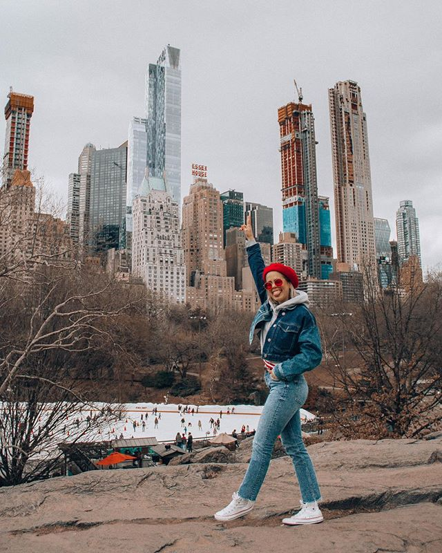 Slowly but surely feeling more like myself in my new home ⚡️ probably bc it's getting warmer 🤷🏼♀️🕺🏼🙌🏻 - - - -- - - - #uoonyou #centralpark #fashionblogger #faboutfits  #artifactuprising #thatsdarling #abmstyle #gooutside #abmlifeiscolorful #livefolk #liveauthentic #wearitloveit #ftwotw #blogger #lookbook #picoftheday  #ootdwatch #documentlife #newyorkblogger  #humaneffect #streetstyle #nothingisordinary #att_diff #fblogger #fabuoutfits #betrendly #oneofthebunch #citylife #whenbaetakesyourpicture