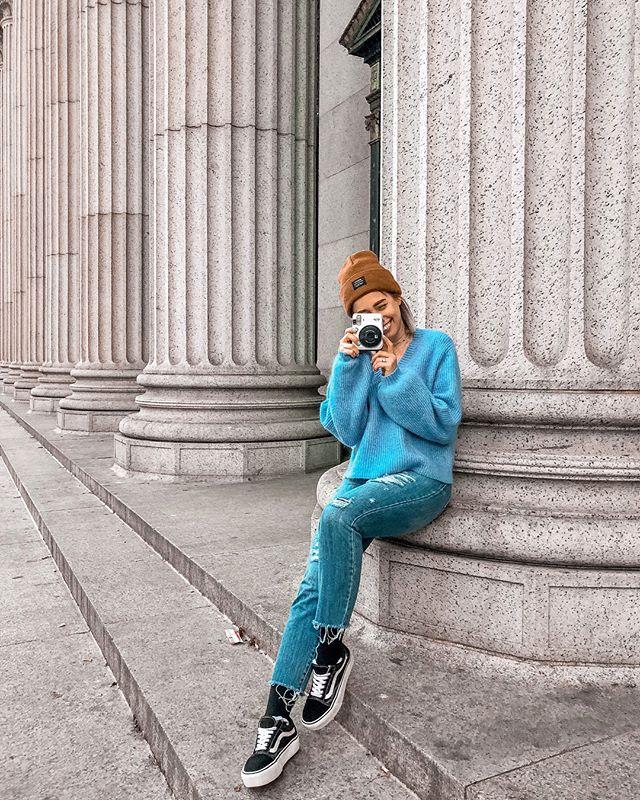 Collector of memories 📸⚡️- - - - #whenbaetakesyourphone #newyorkcity #newyorkblogger #uoonyou #uonewyork #latinablogger #betrendly #fashionaddictxo  #ootdinspiration #fashionaddict  #ABMstyle #fblogger #instagoodmyphoto #humaneffect #postthepeople #liveauthentic #livefolk #instagood  #streetstyle #jenlumiere #ootdwatch #darlingweekend #darlingmoment #oneofthebunch #wearetothe9s #hm #hm #vans #vansgirls #fujifilm