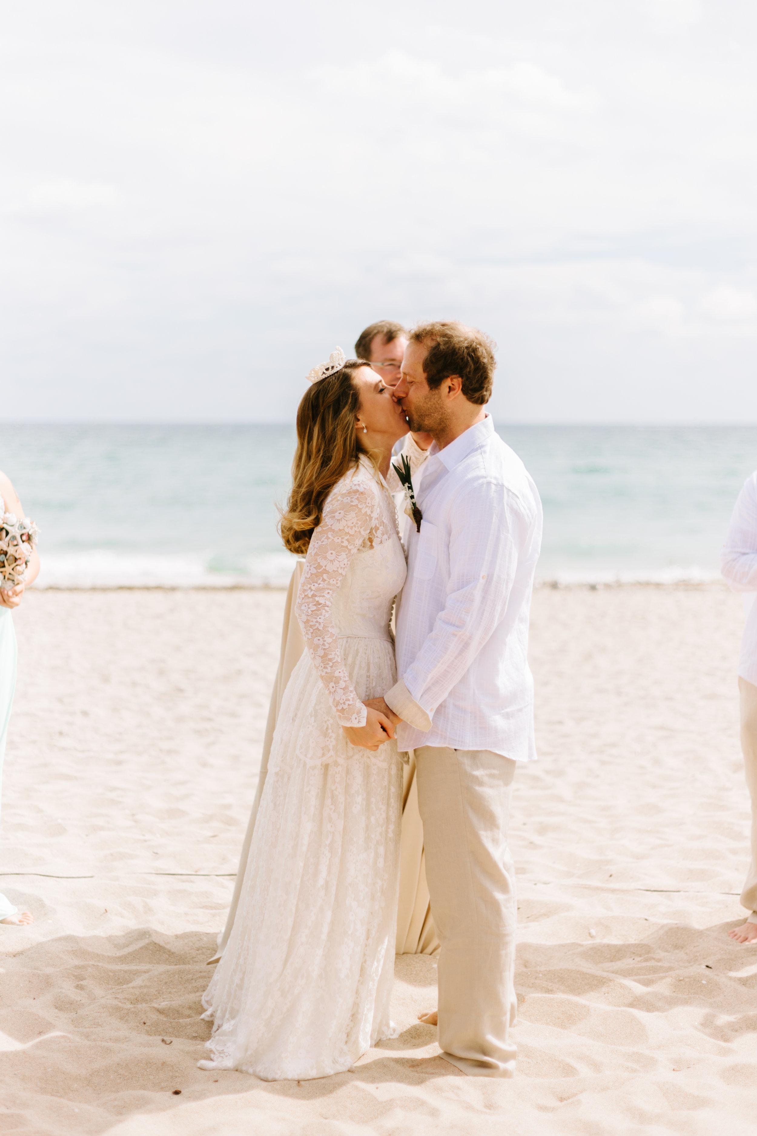 2017.02.18 Lauren and Miles Lake Worth Casino Beach Wedding (287 of 606).jpg