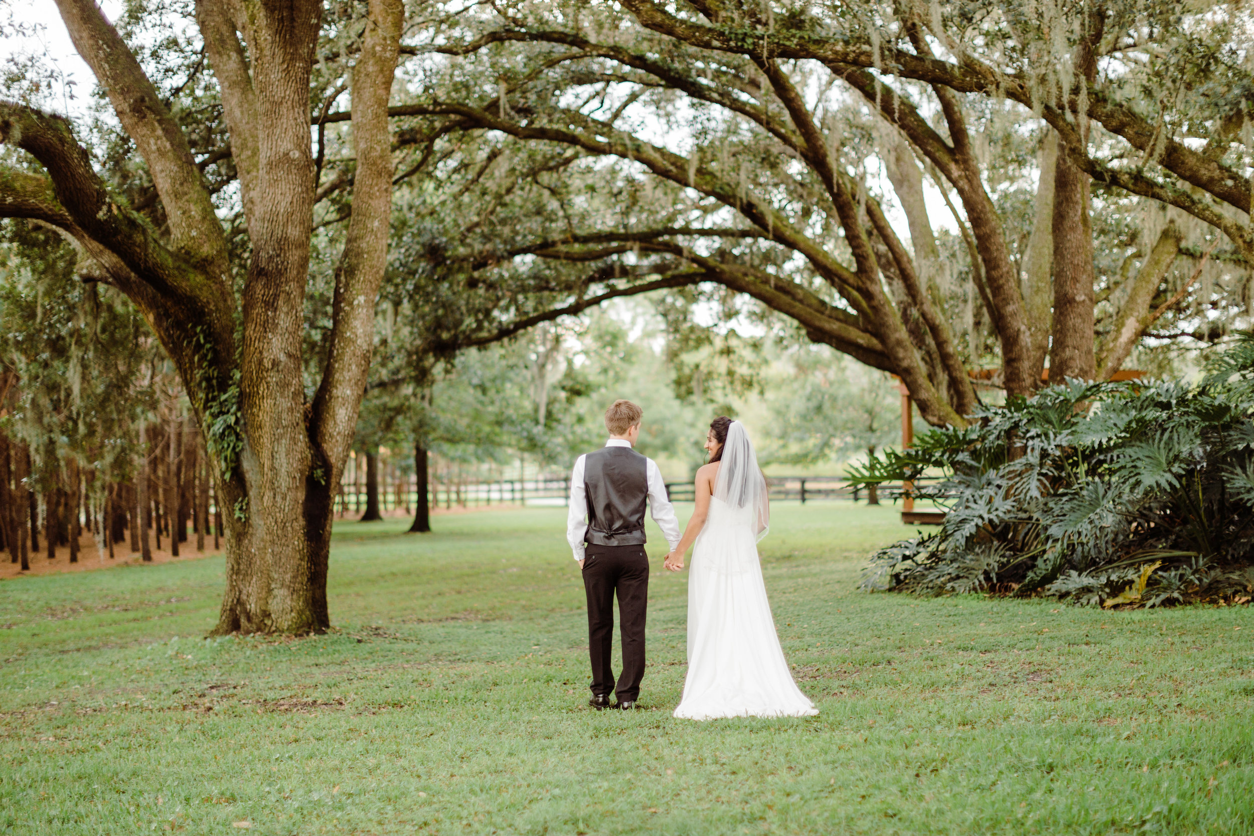 2017.10.08 Zach and Ashley Courson Wedding Club Lake Plantation (538 of 1079).jpg