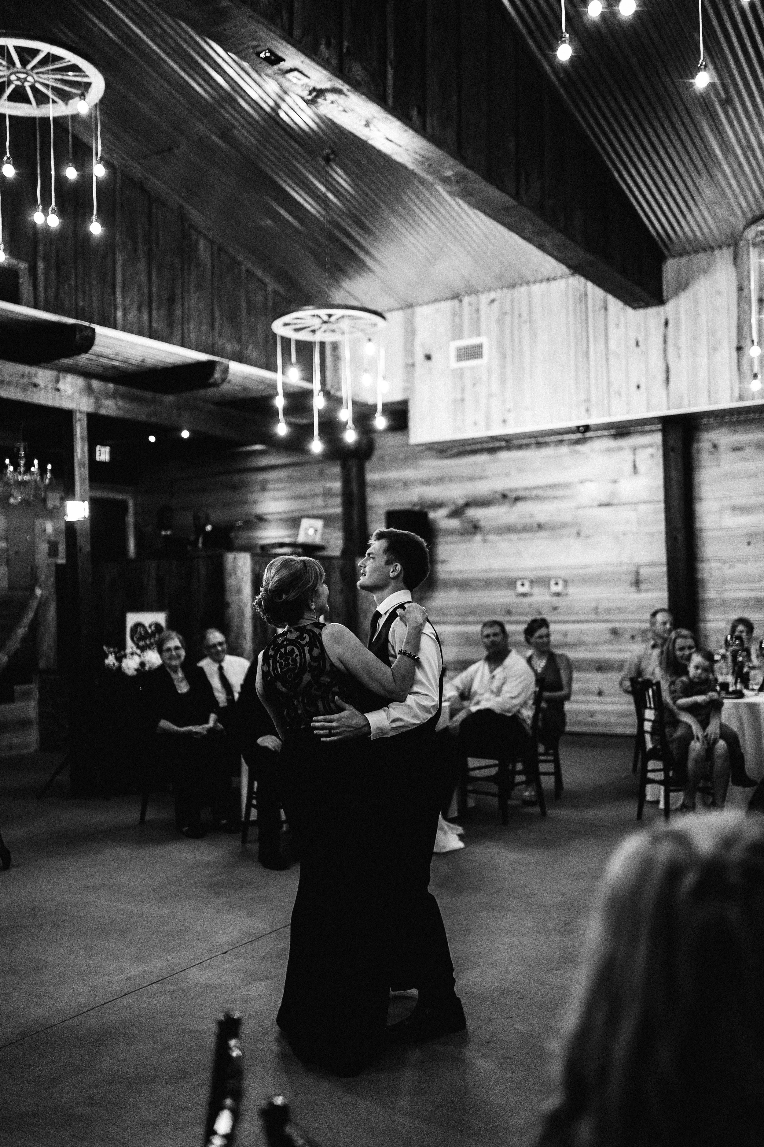 2017.10.08 Zach and Ashley Courson Wedding Club Lake Plantation (730 of 1079).jpg