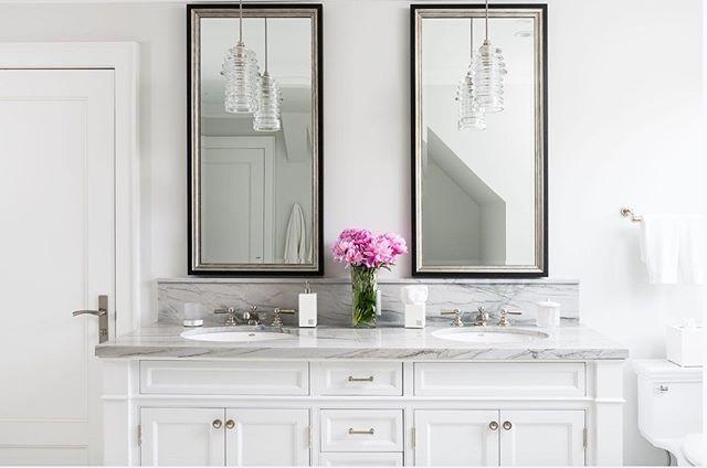 Sunday morning glow in this guest bath beauty. . . . #jodiflemingdesign #interiordesign #guestbathroom #bathroom #customhome #designbuild #bathroomdesign #bathroomdecor