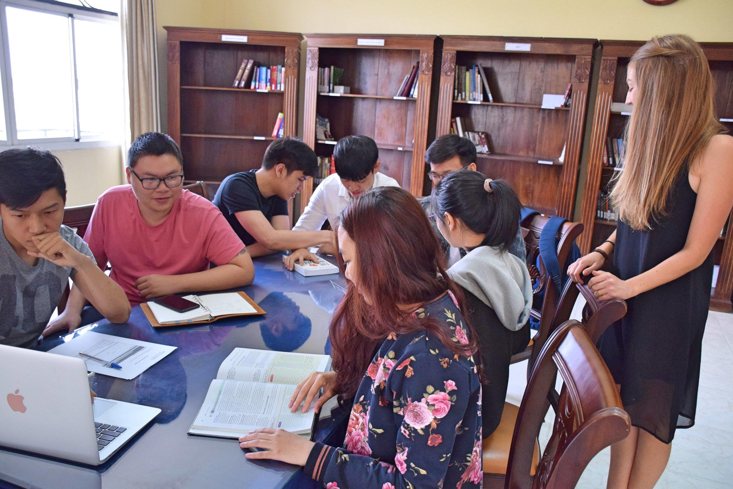 THeAmericanUniversityinVietnam(1).jpg