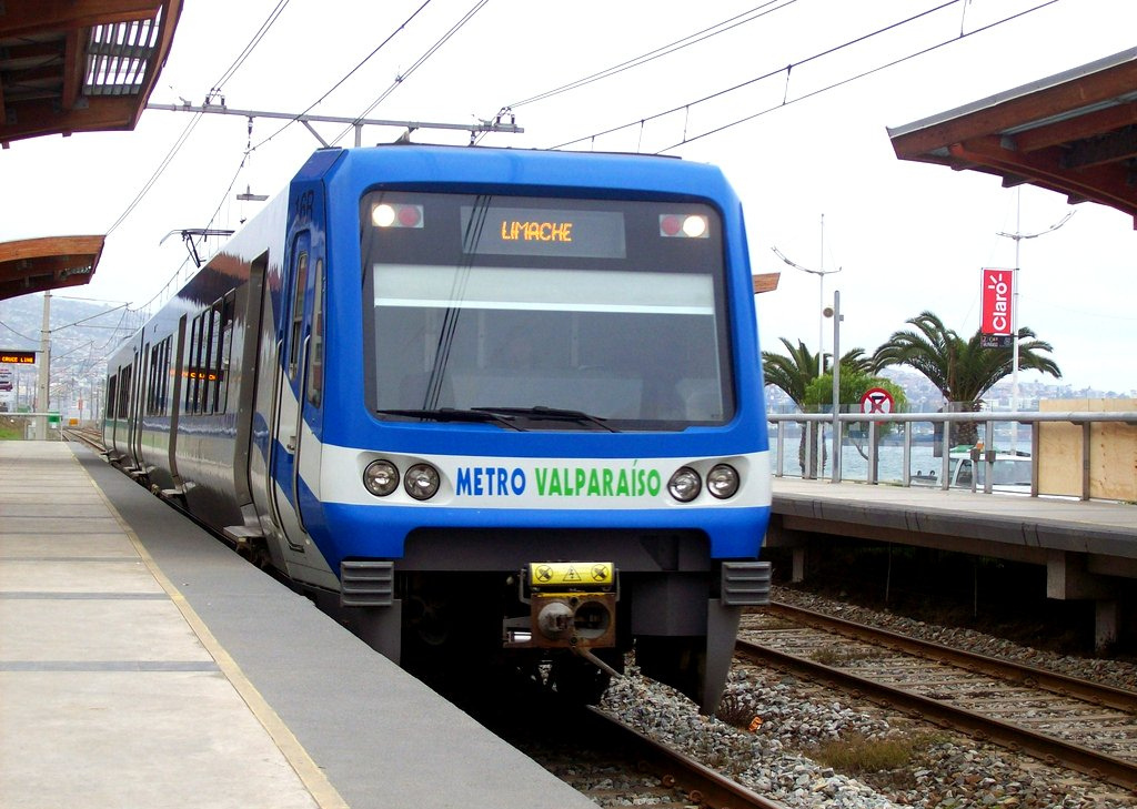 Metro  - It consists of one line, (27 mi) long, serving 20 stations, connecting the cities of Valparaíso, Viña del Mar, Quilpué, Villa Alemana, and Limache. The metro system is fast, reliable, clean, cheap and has tracks both above and underground.