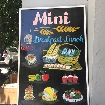 Mini's Cafe  - An absolute expat favorite of Da Nang. Tucked away in the popular An Thuong walking streets, Mini serves up the best tasting Western breakfast in all of Da Nang (trust us, we've been here 2 years and tried it all). From runny and savory eggs benedict, to filling and cheesy breakfast burrito's, or healthy vegetarian items, Mini's is sure to fill your cravings for under $5 USD!