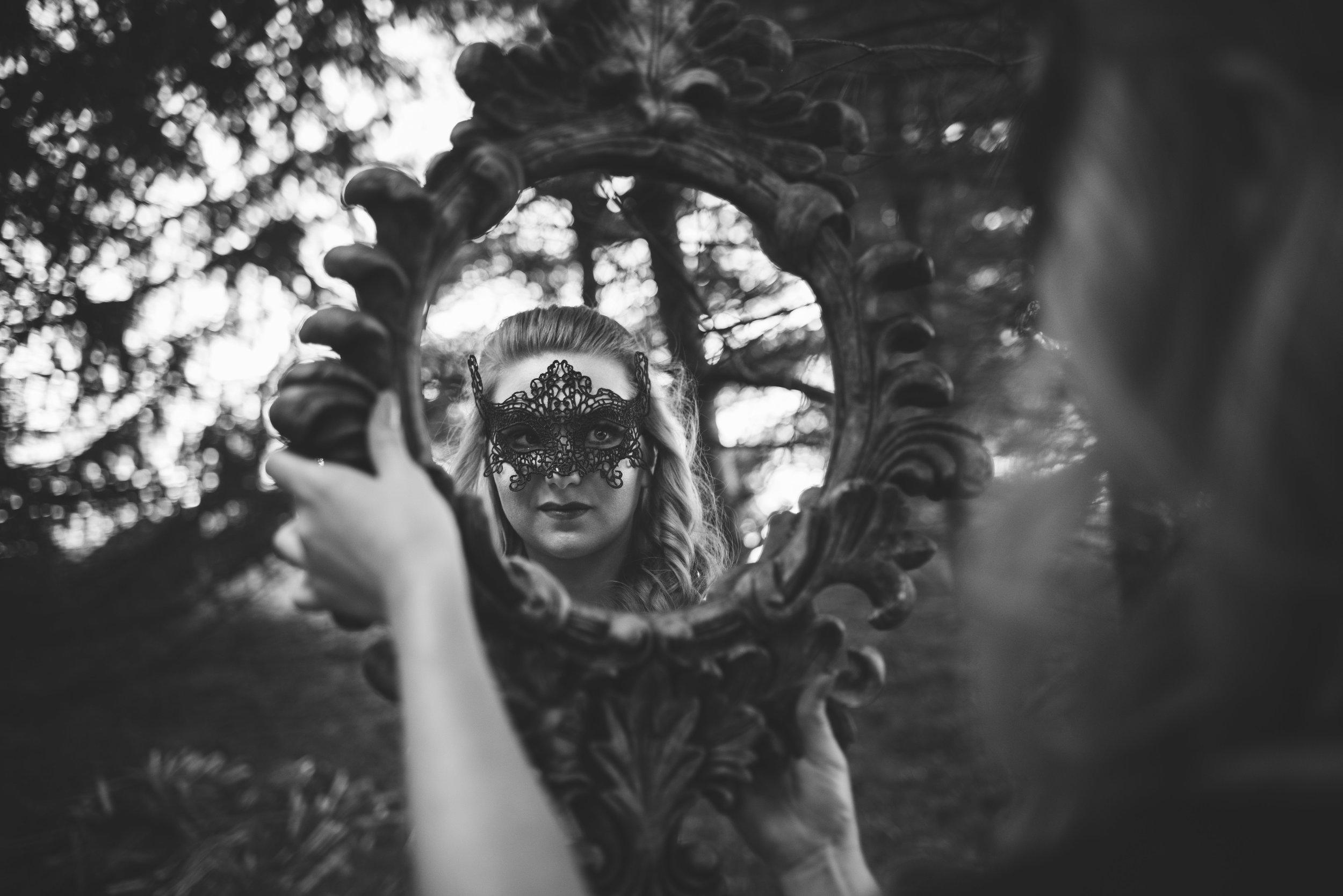 toledo model themed photo shoot black dress holloween-2.jpg