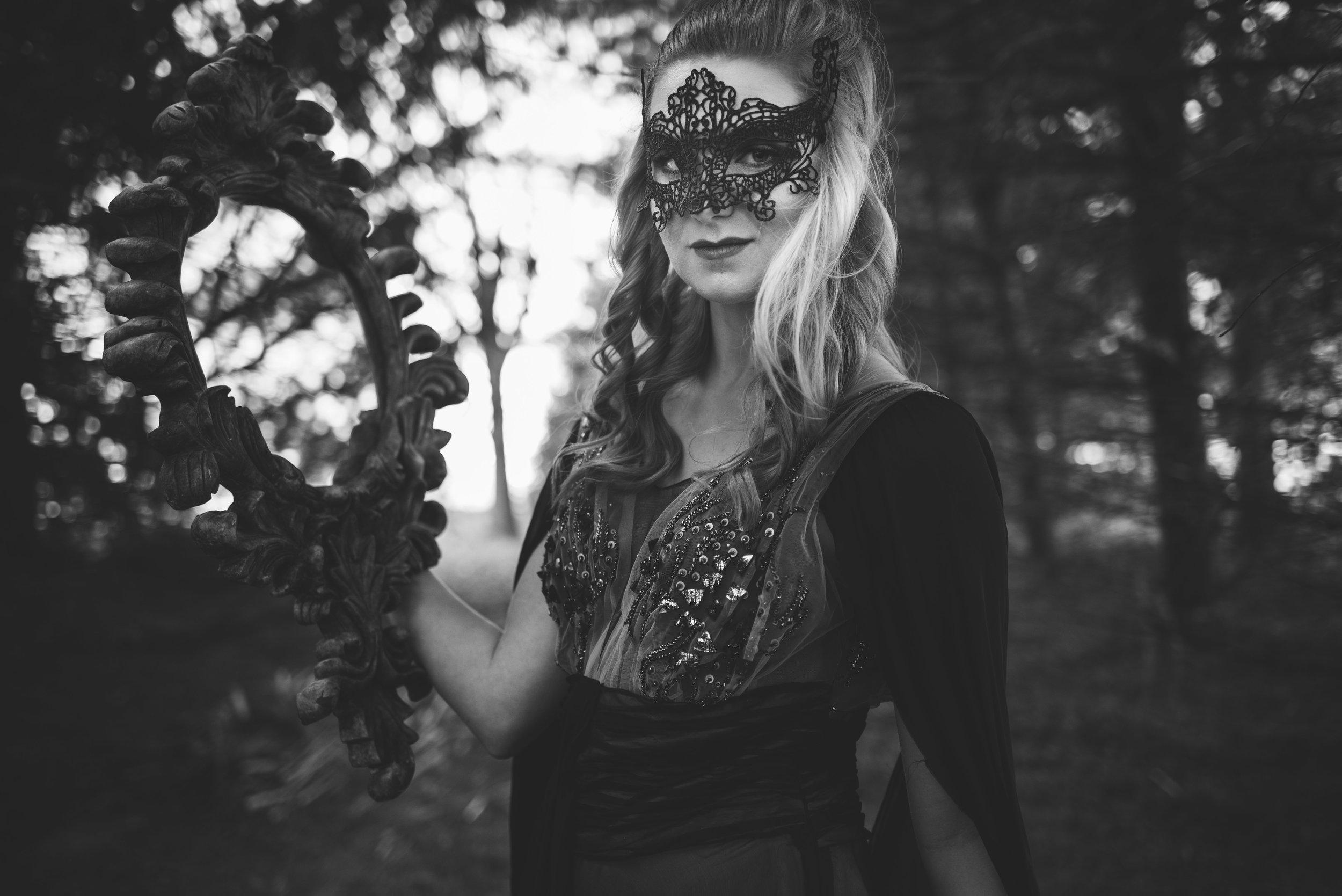 toledo model themed photo shoot black dress holloween-5.jpg