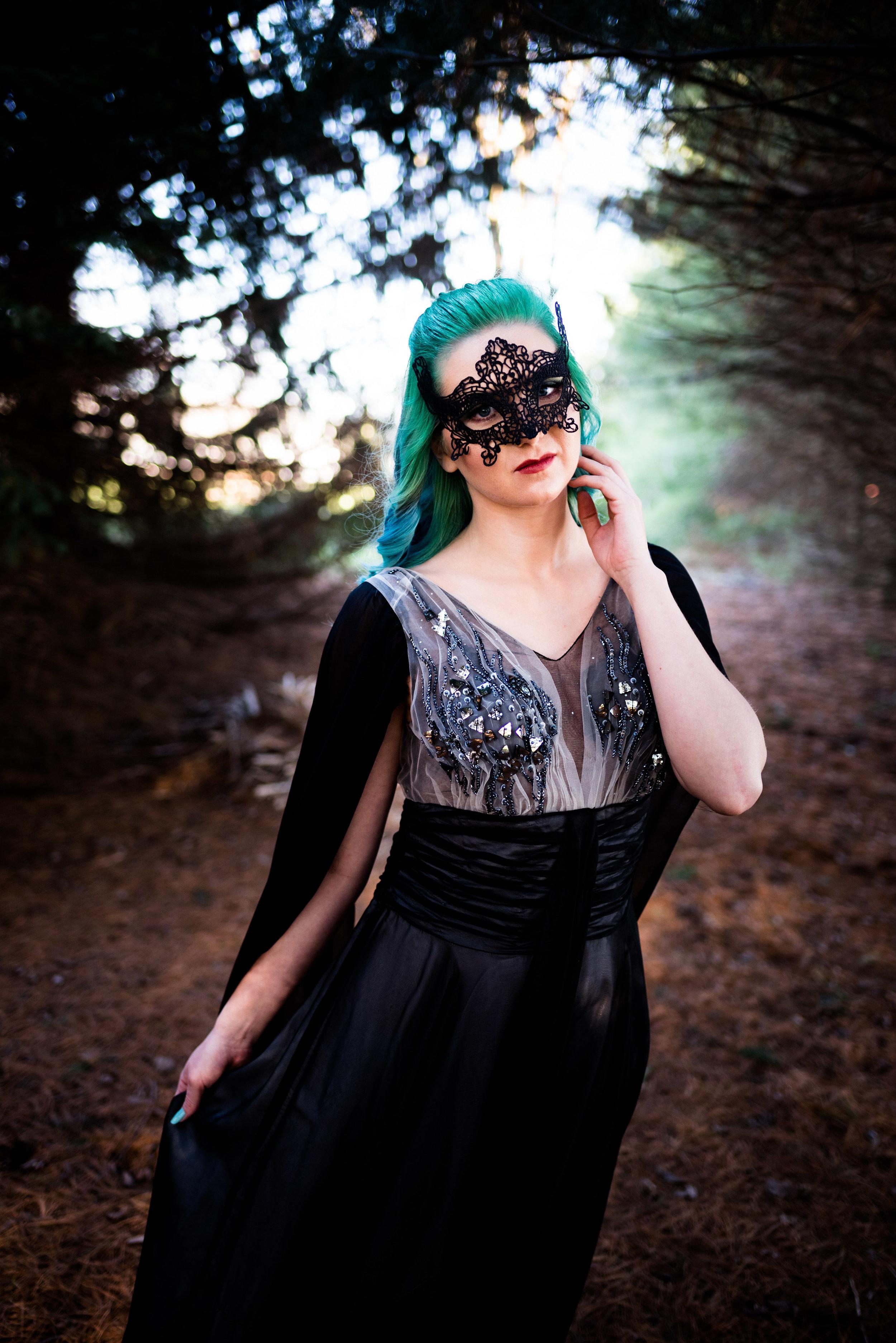 toledo model themed photo shoot black dress holloween-11.jpg