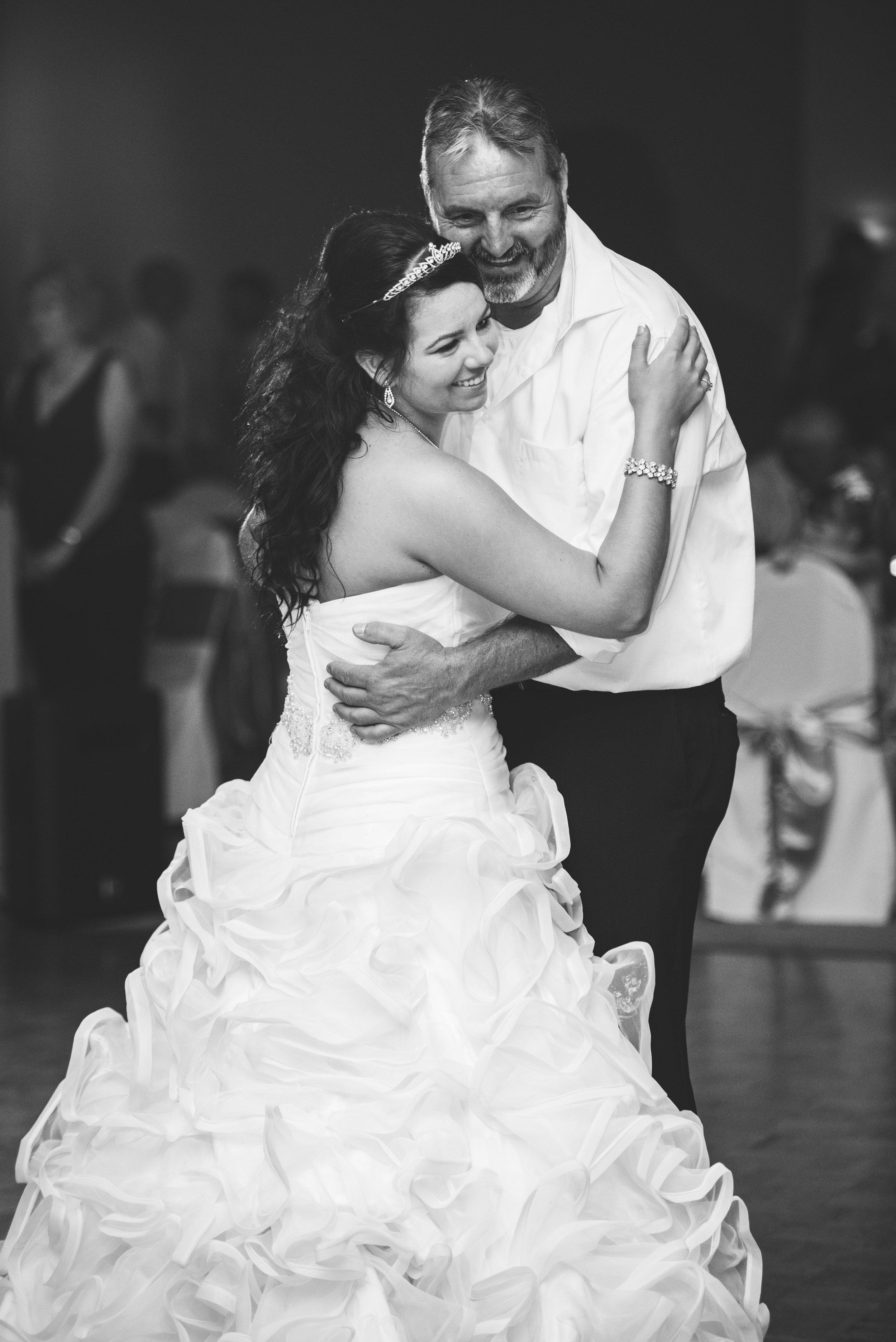 toledo ohio wedding photographer-26.jpg