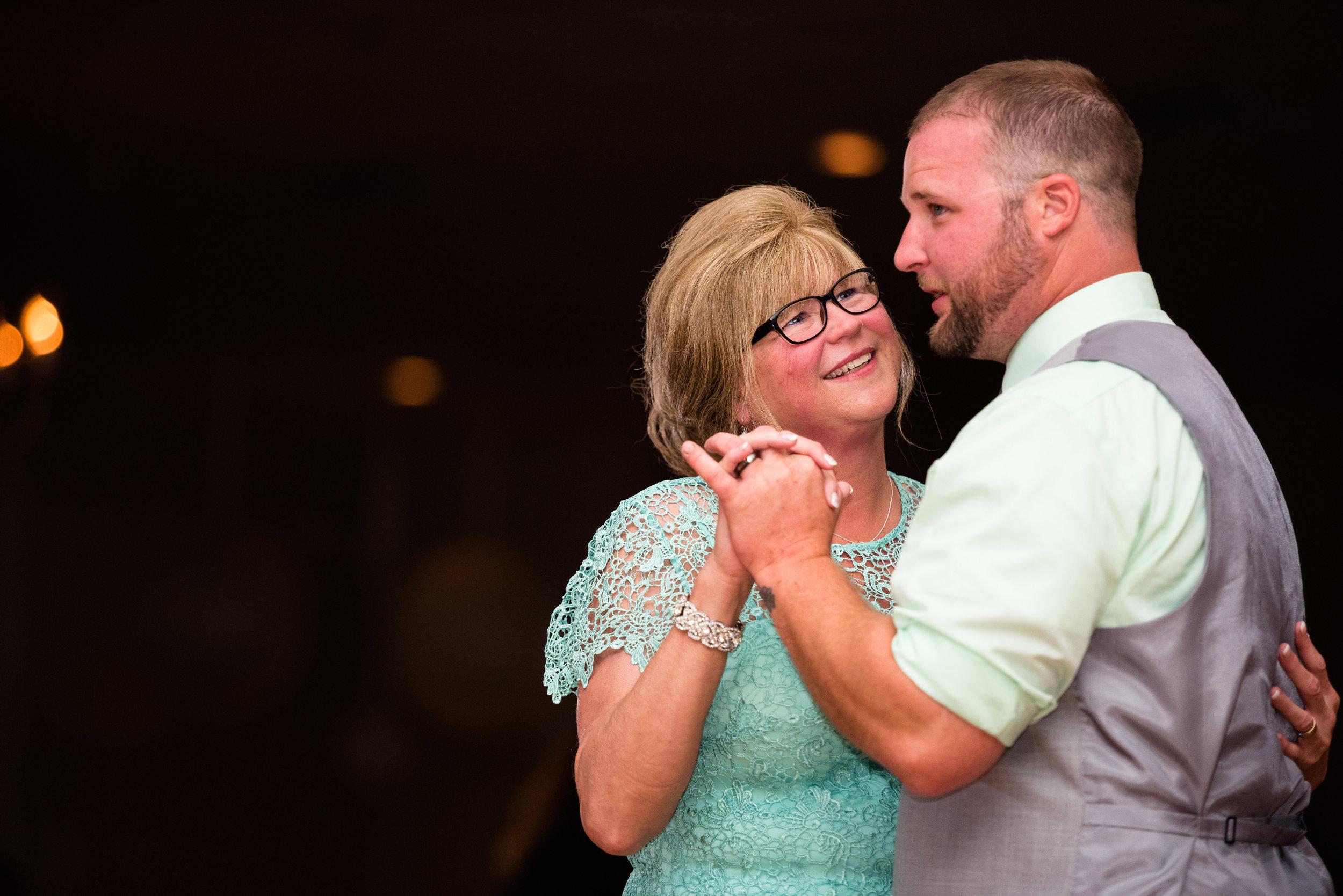 toledo ohio wedding photographer-27.jpg