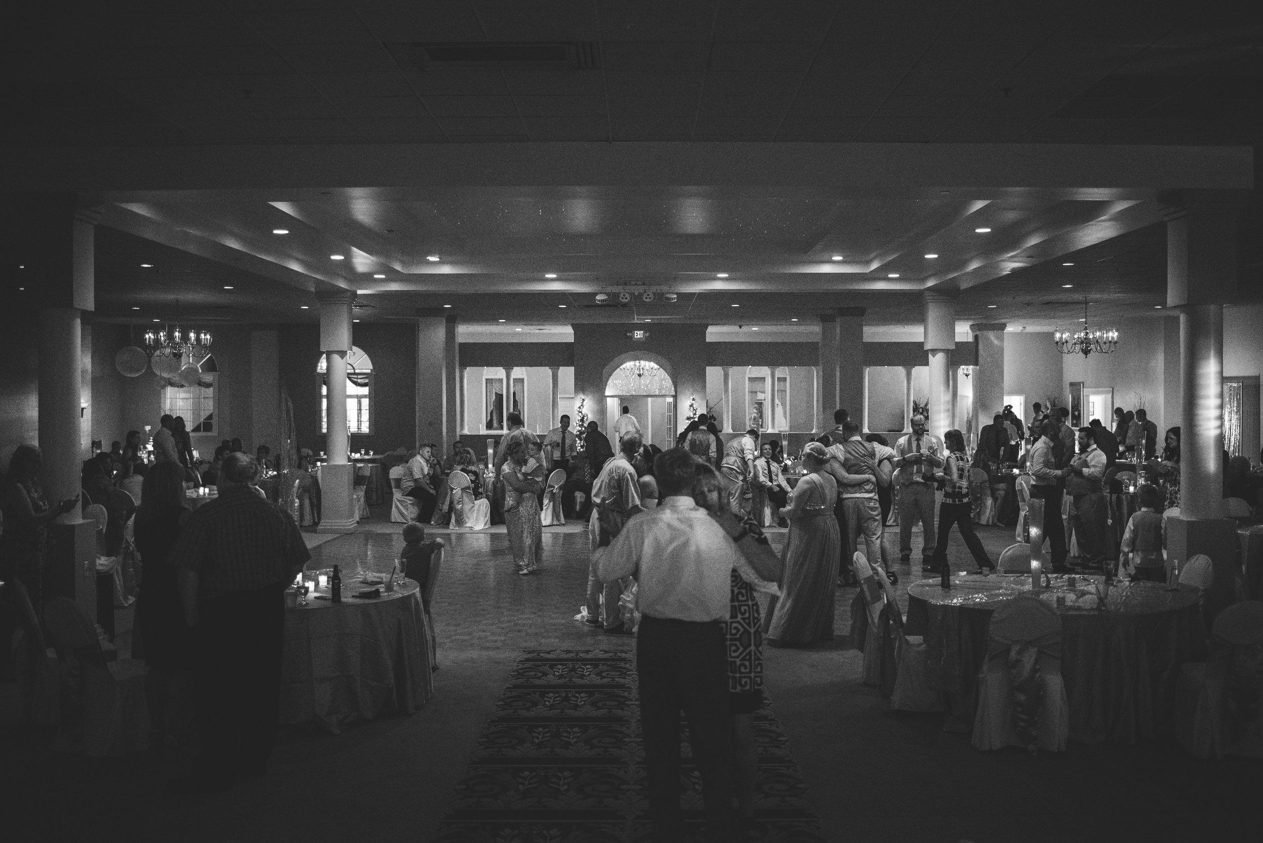 toledo ohio wedding photographer-30.jpg