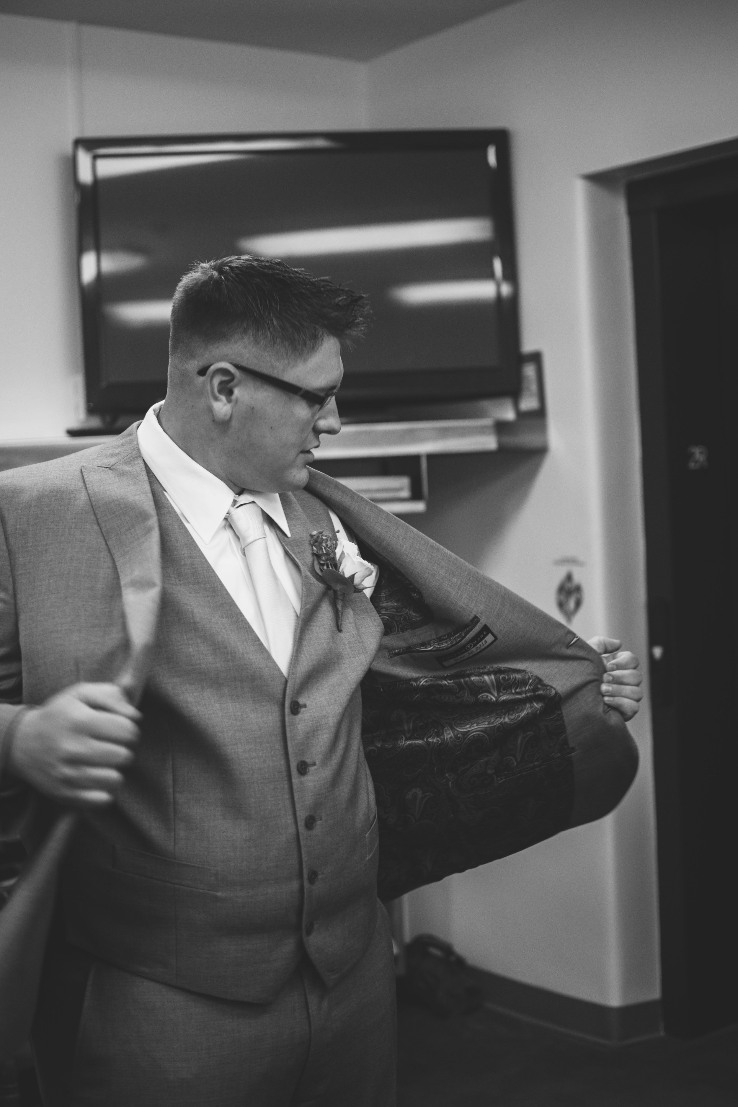 NORTHWEST OHIO WEDDING-4.jpg