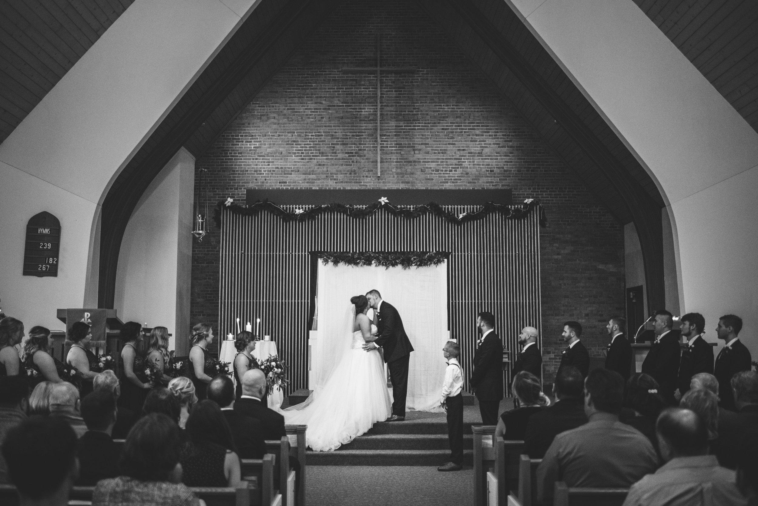 upper sandusky ohio wedding photography-41.jpg