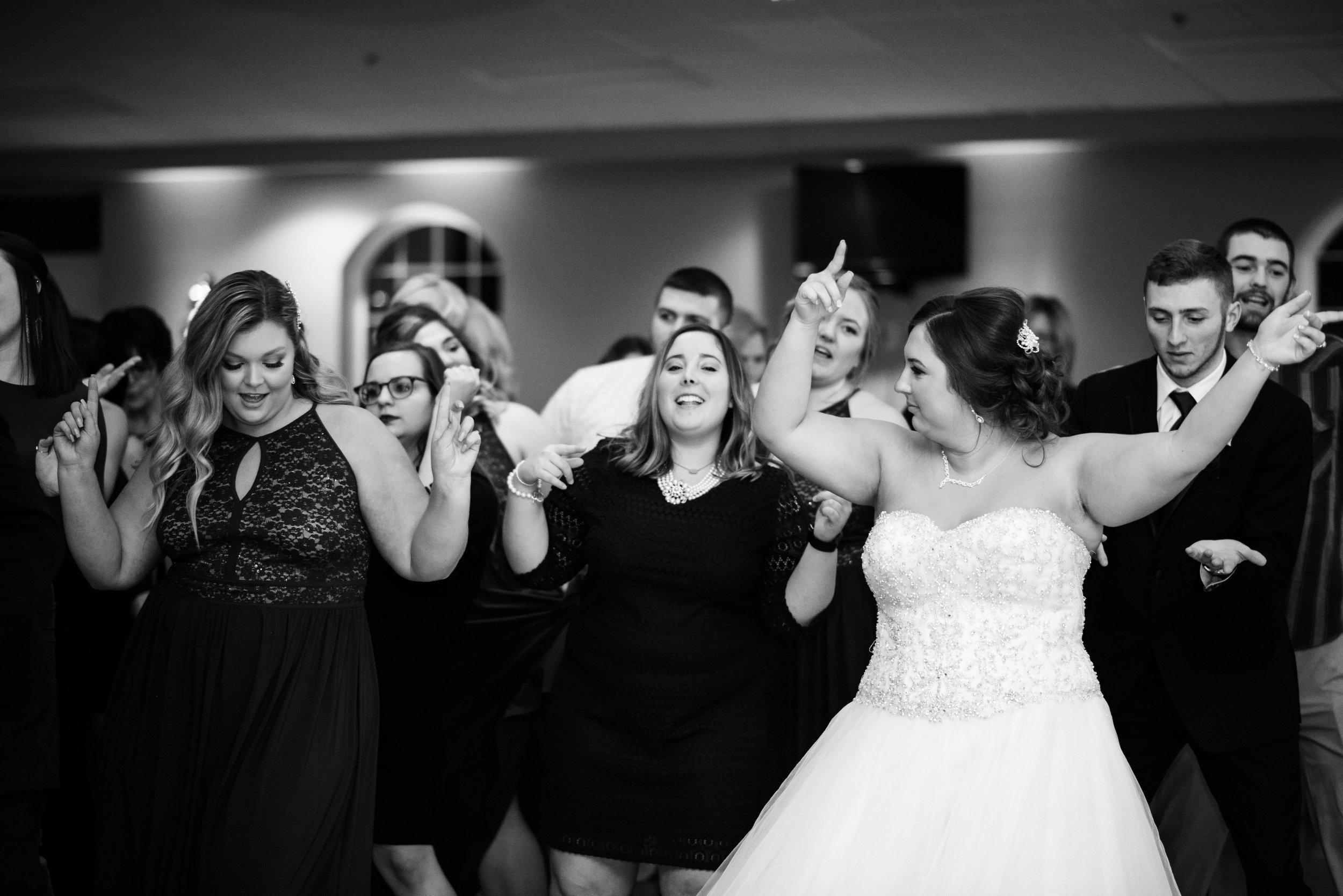 upper sandusky ohio wedding photography-94.jpg