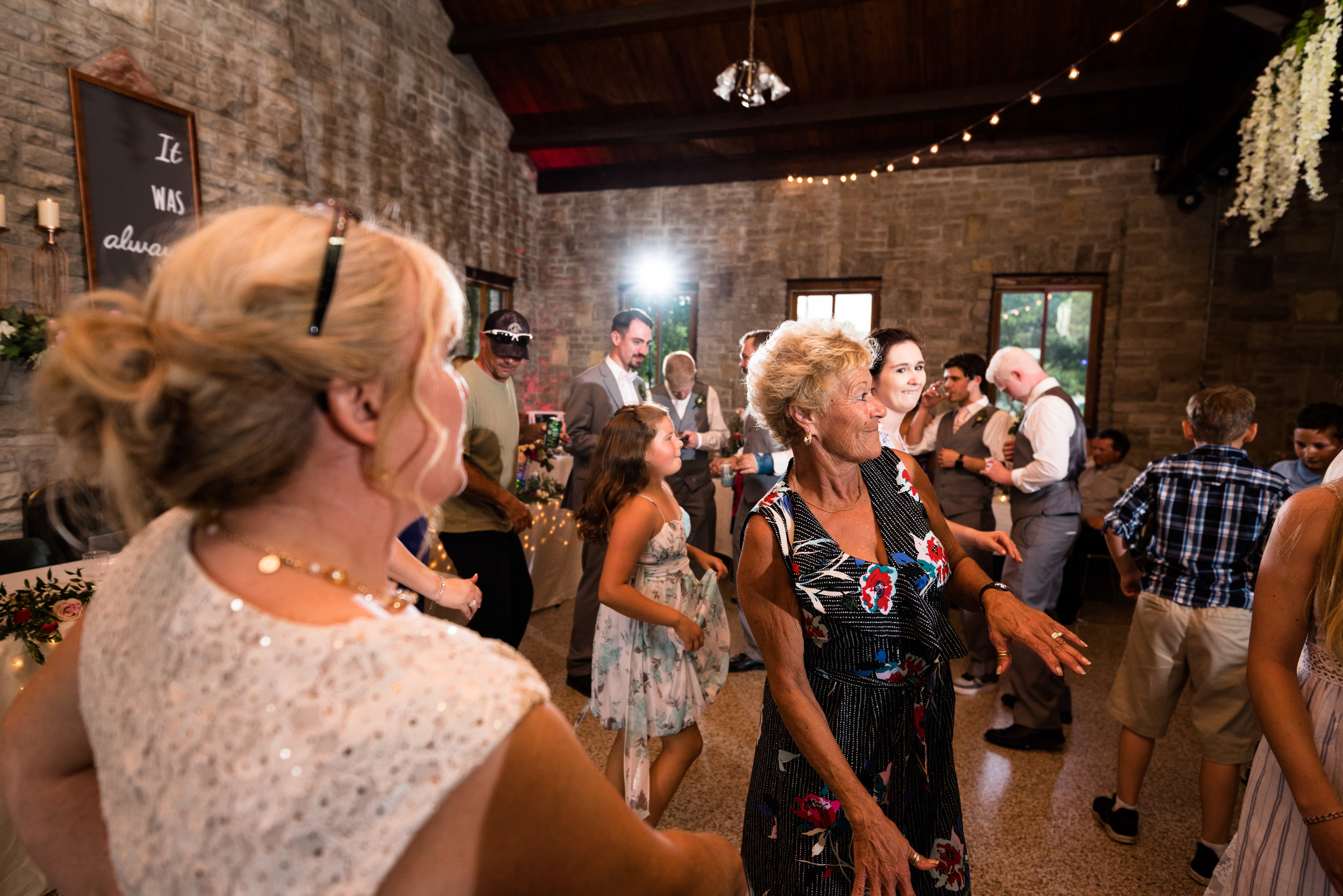 bowling green professional wedding photographer