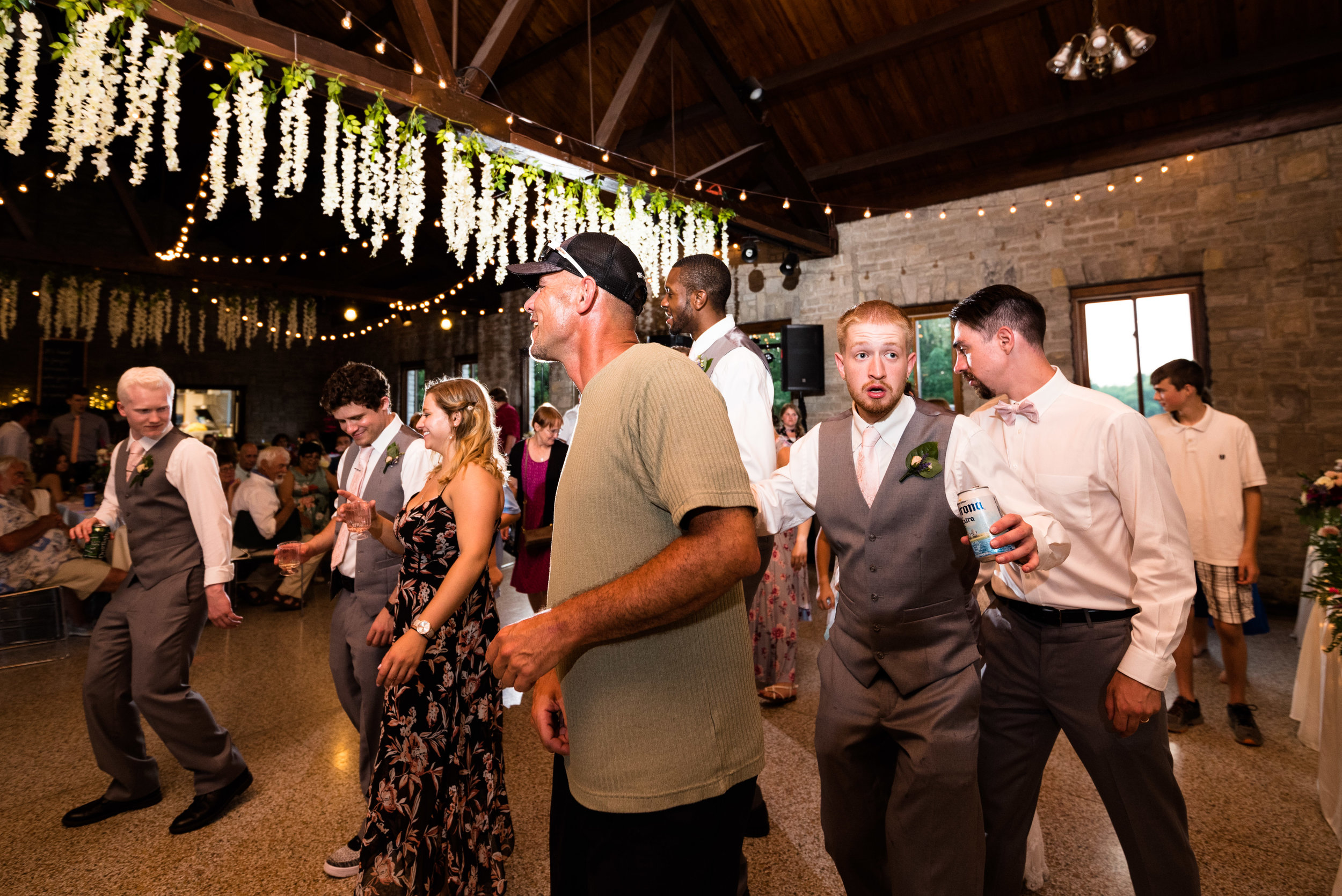 wedding photos in bowling green ohio