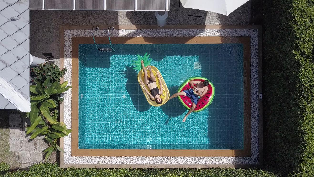 Pool.jpg copy.jpg