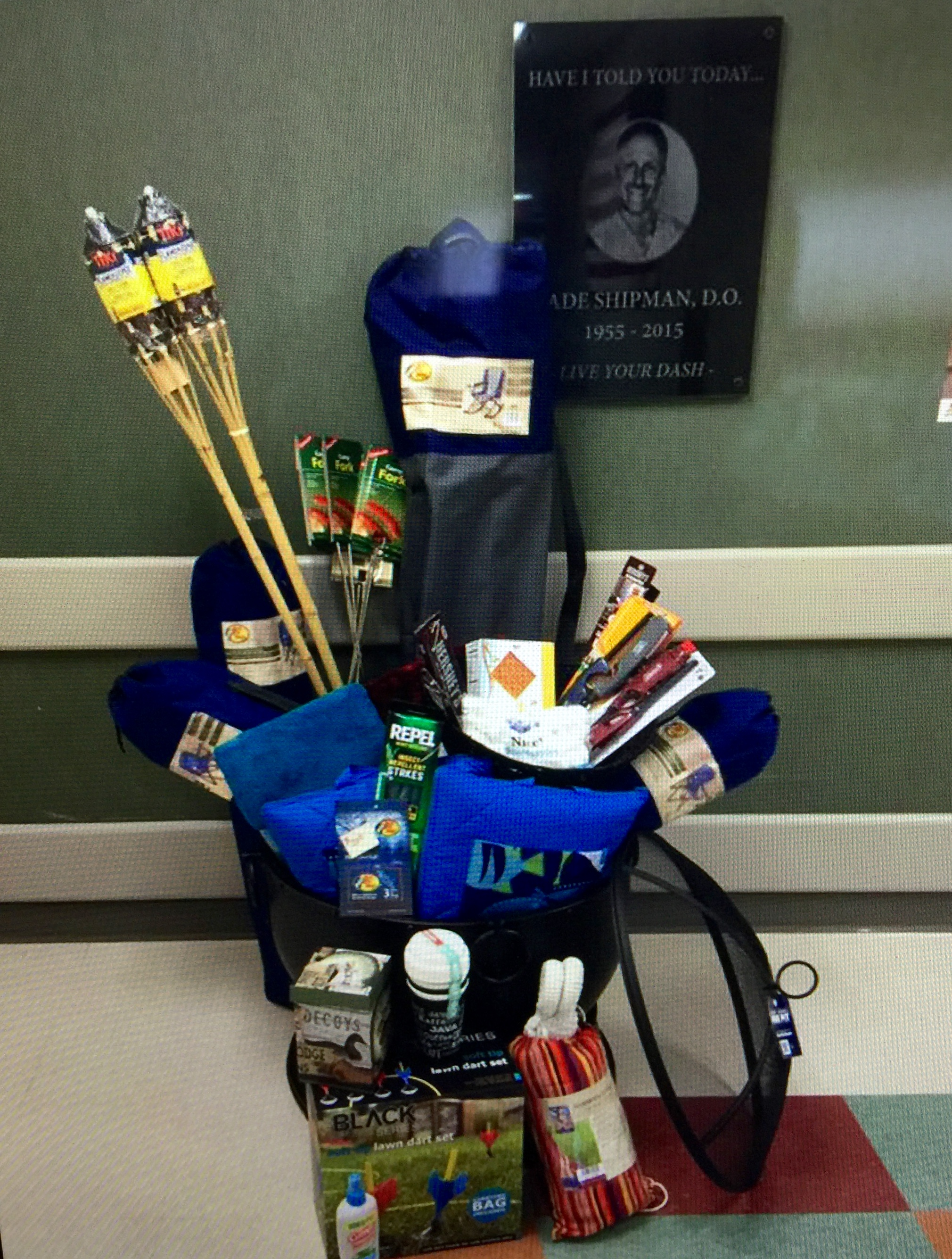 Basket by Surgery Center. Retail Value: $1500.00