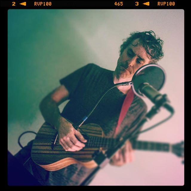 #loveonholiday2019 @vincentvonpiglet tracking killer asylum track with @superhero_audio @carleybaermusic @featheredmasoncam @holidaymusicmotel