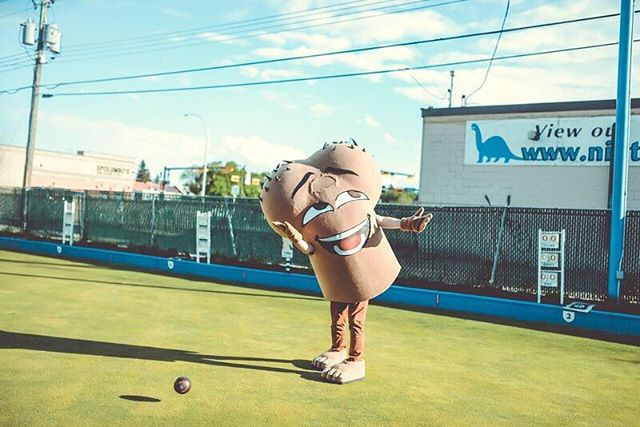 This Thursday we're throwing it all the way back to last year's Balls Out Lawn Bowls League. We've got some exciting news, kiddos! We're currently gearing up for the 2019 season. Want to join in on summer's sexiest sport? Registration opens Friday, April 5 at noon. Interested in becoming a league sponsor or have any general questions? Email lawnbowling@oneball.ca. . . . . . 📷 @ritzphotoandfilm . . #lawnbowling #yycevents #cancerawareness #loveyournuts #testicularcancer #testicularhealth #cancercanada #menshealth #yycnow #lawnbowls #ballcancer #calgary #oneball #kickcancerintheballs #ballcancer #cancercanada #yyc #menshealthcanada #yycliving #ballcancersucks #menshealthcanada #localhelpinglocal #calgaryevents #lawnbowlingyyc #yyccharity #ballsoutlawnbowlsleague #yycbeer #tbt